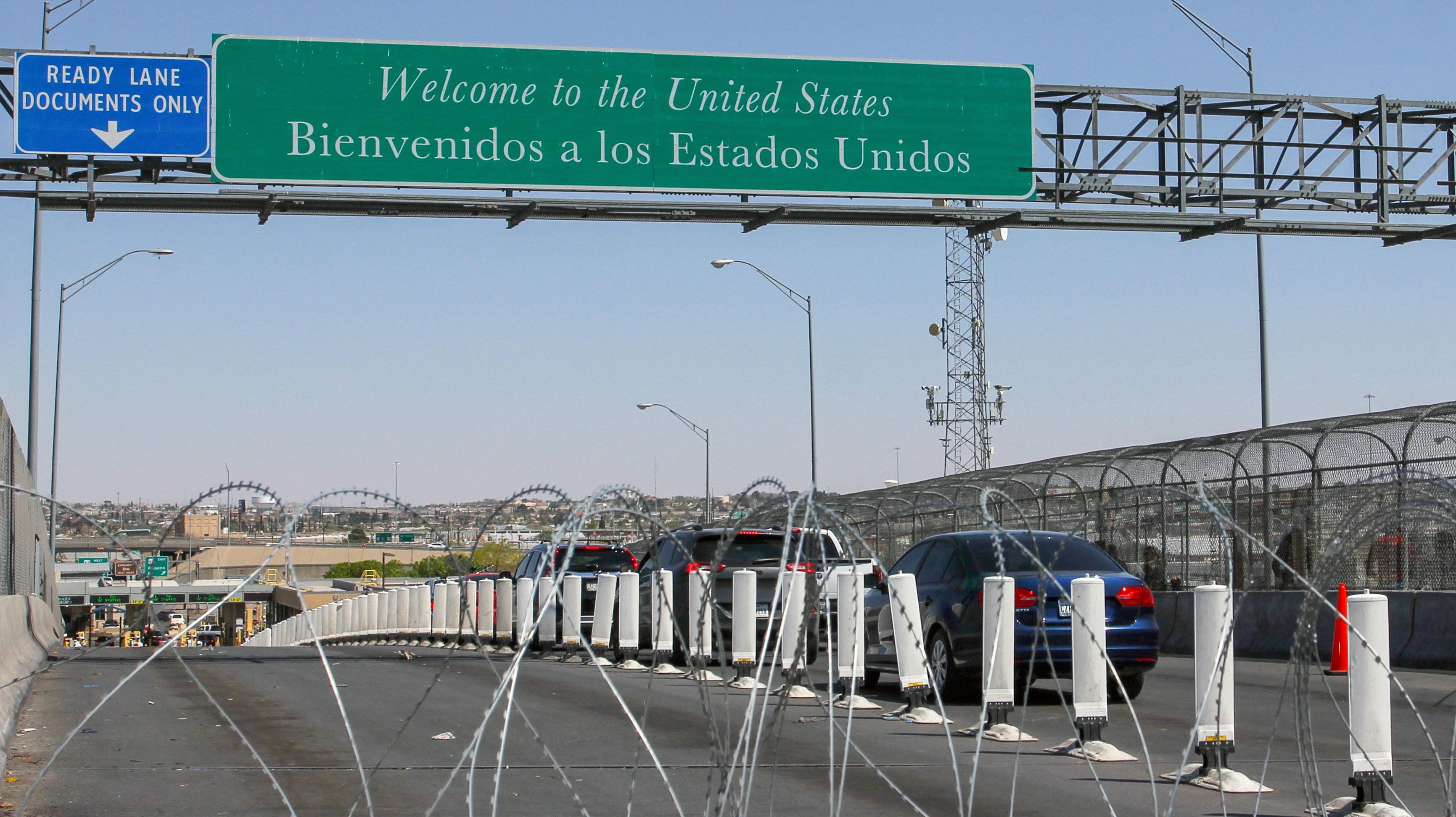 Court Rules That U.S. Border Agents Need Probable Cause To Search Travellers' Phones