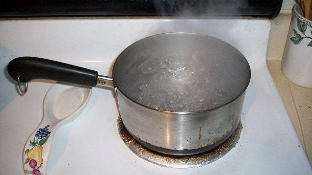 Use the Bottom of a Hot Pot to Iron Your Clothes