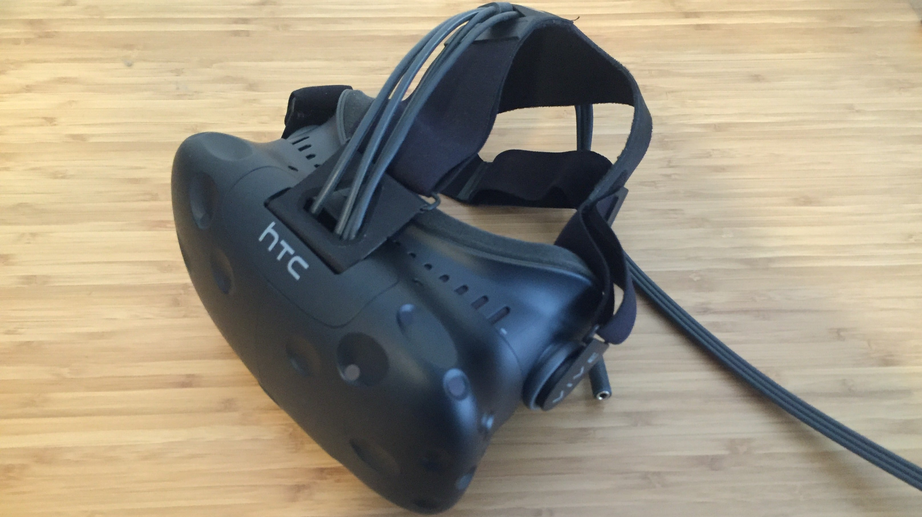 HTC Vive vs. Oculus Rift: The Comparison We Had To Make