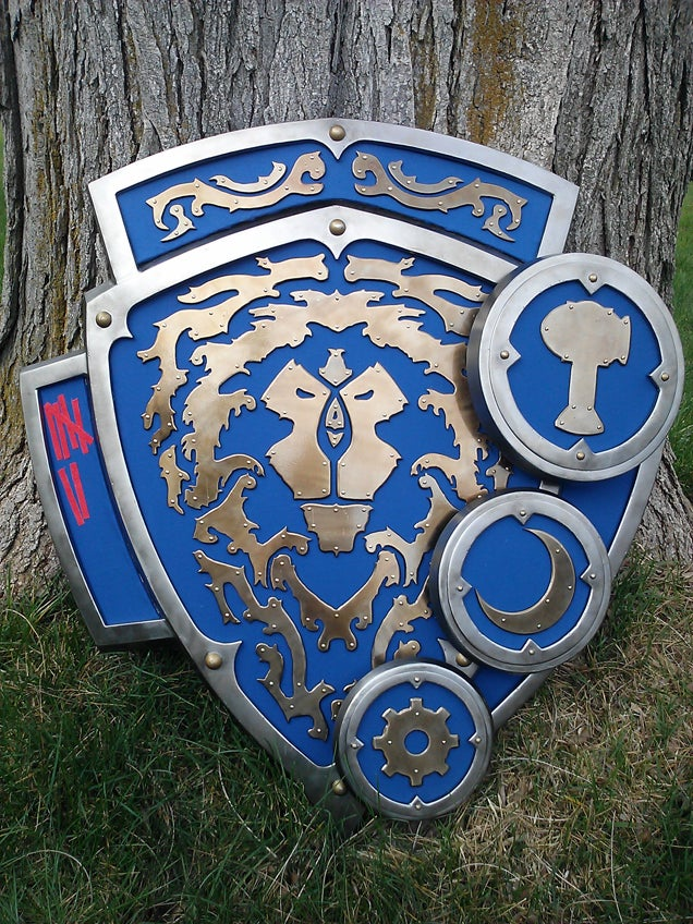 Man Builds Amazing Replica of Iconic World of Warcraft Shield
