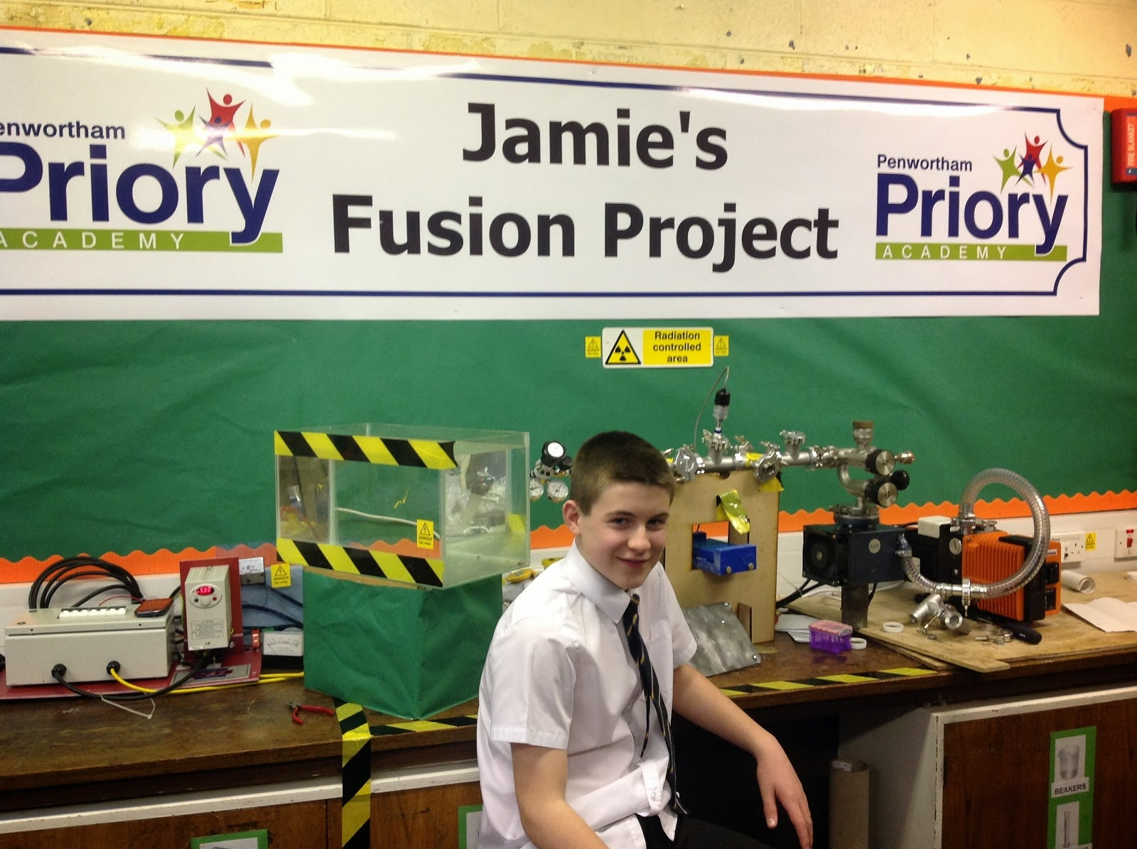 13-Year-Old Builds Nuclear Reactor, Becomes Youngest Fusioneer Ever