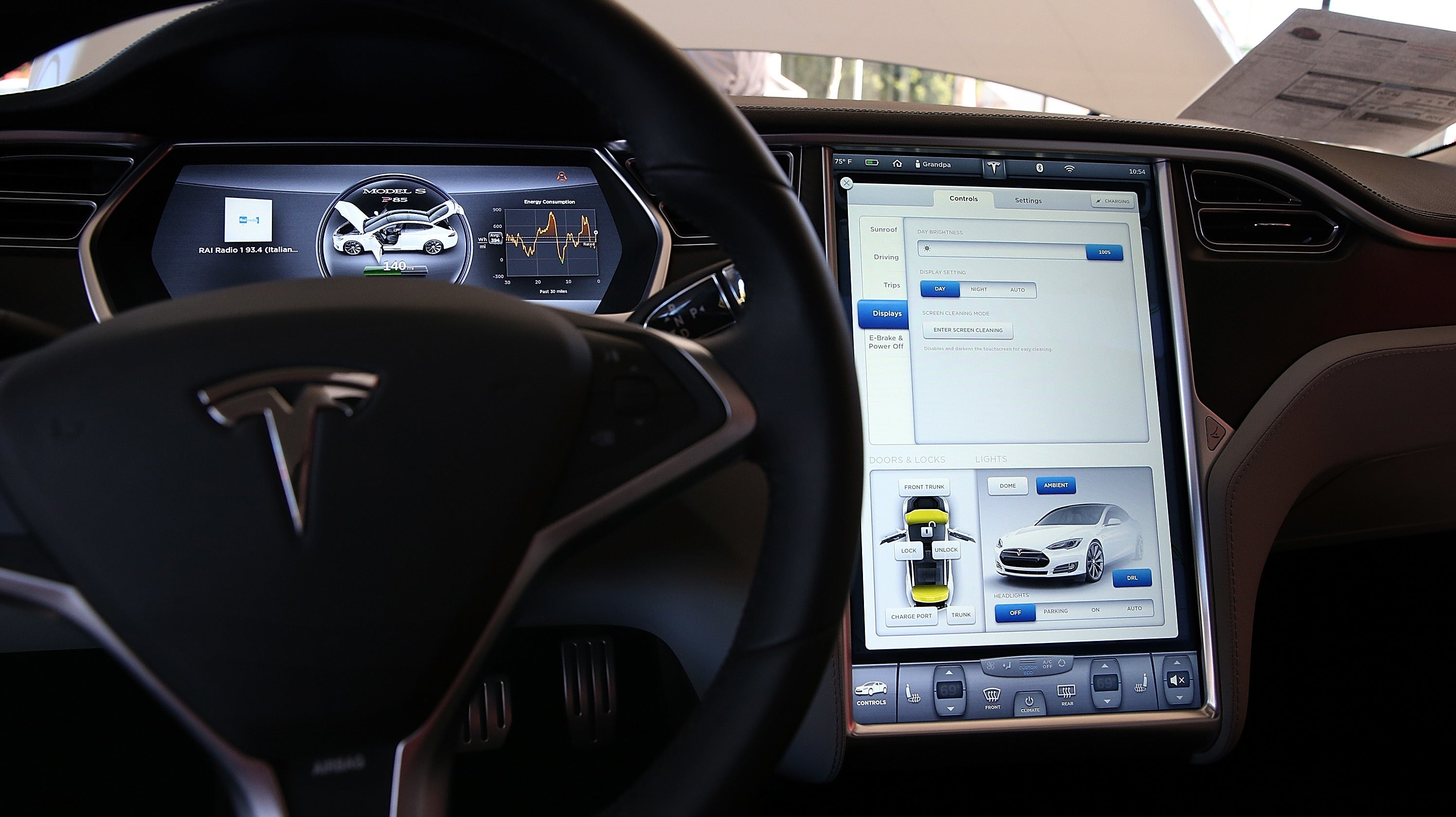 Tesla Model S Appeared To Drive 11km On Autopilot While Drunk Driver Slept