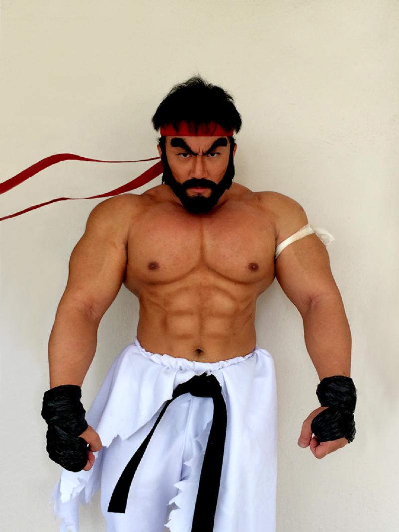Enormous Muscles Sure Help With Cosplay Kotaku Australia