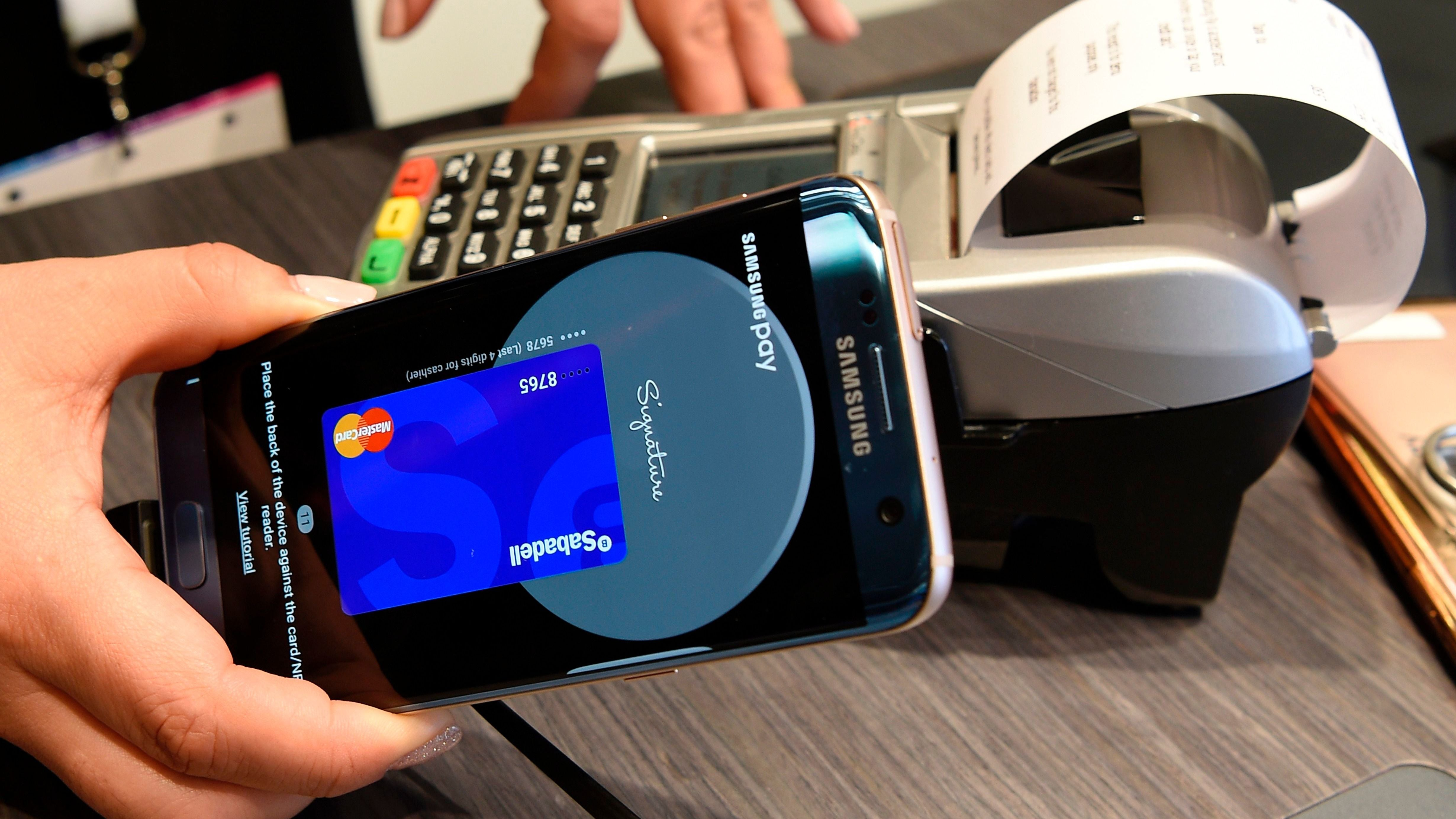 Samsung Hops On The Finance Train, Announces New Debit Card