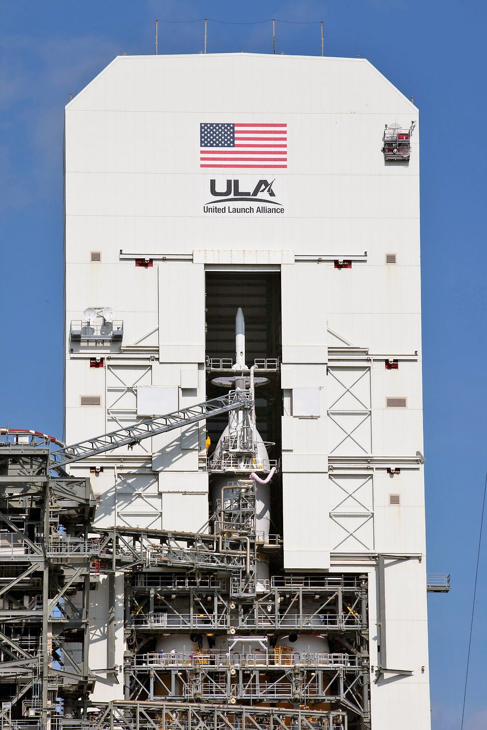 Photo of NASA's newest manned spaceship ready for launch