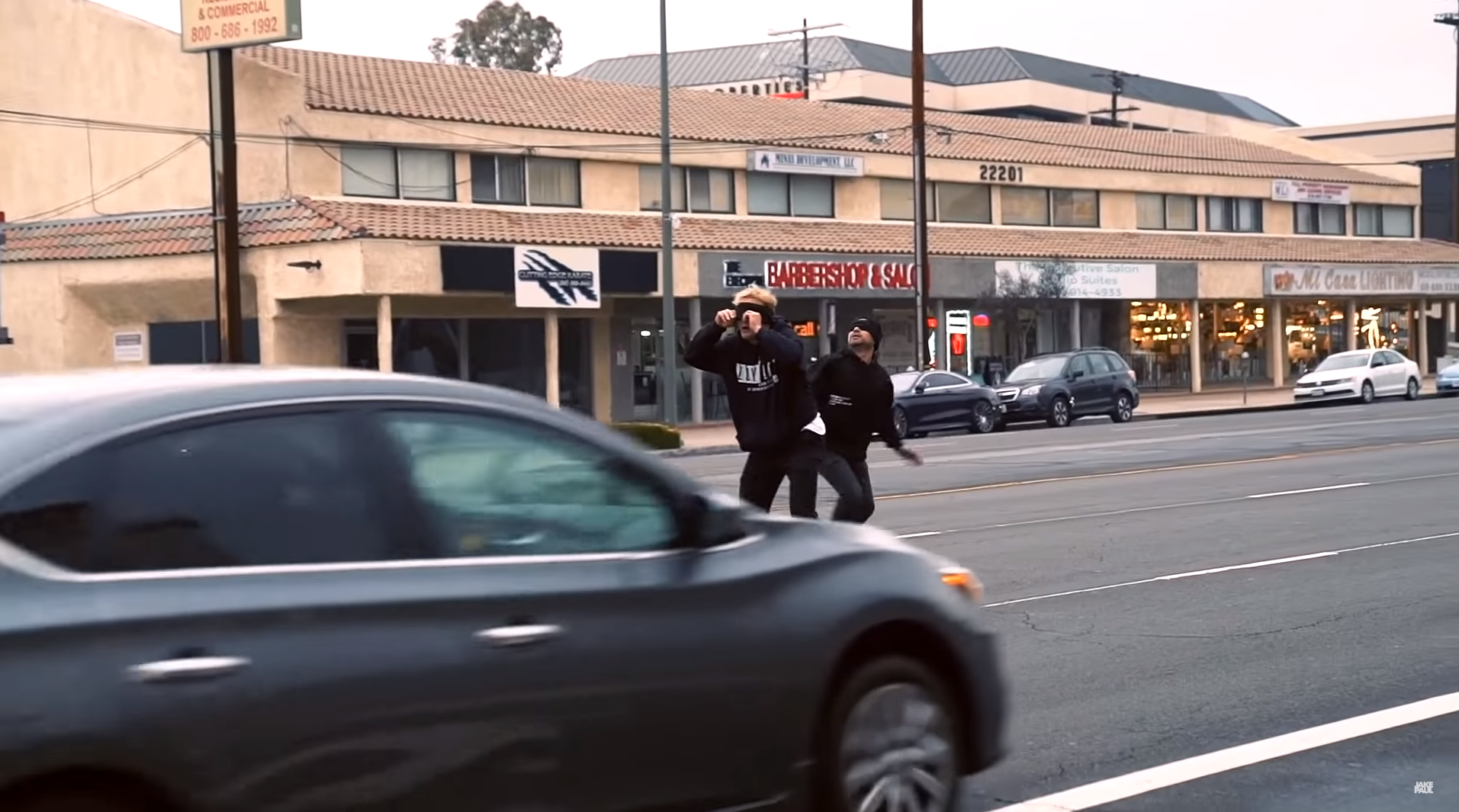 YouTube Arse Jake Paul Appears To Run Through Traffic Blindfolded For Bird Box Challenge