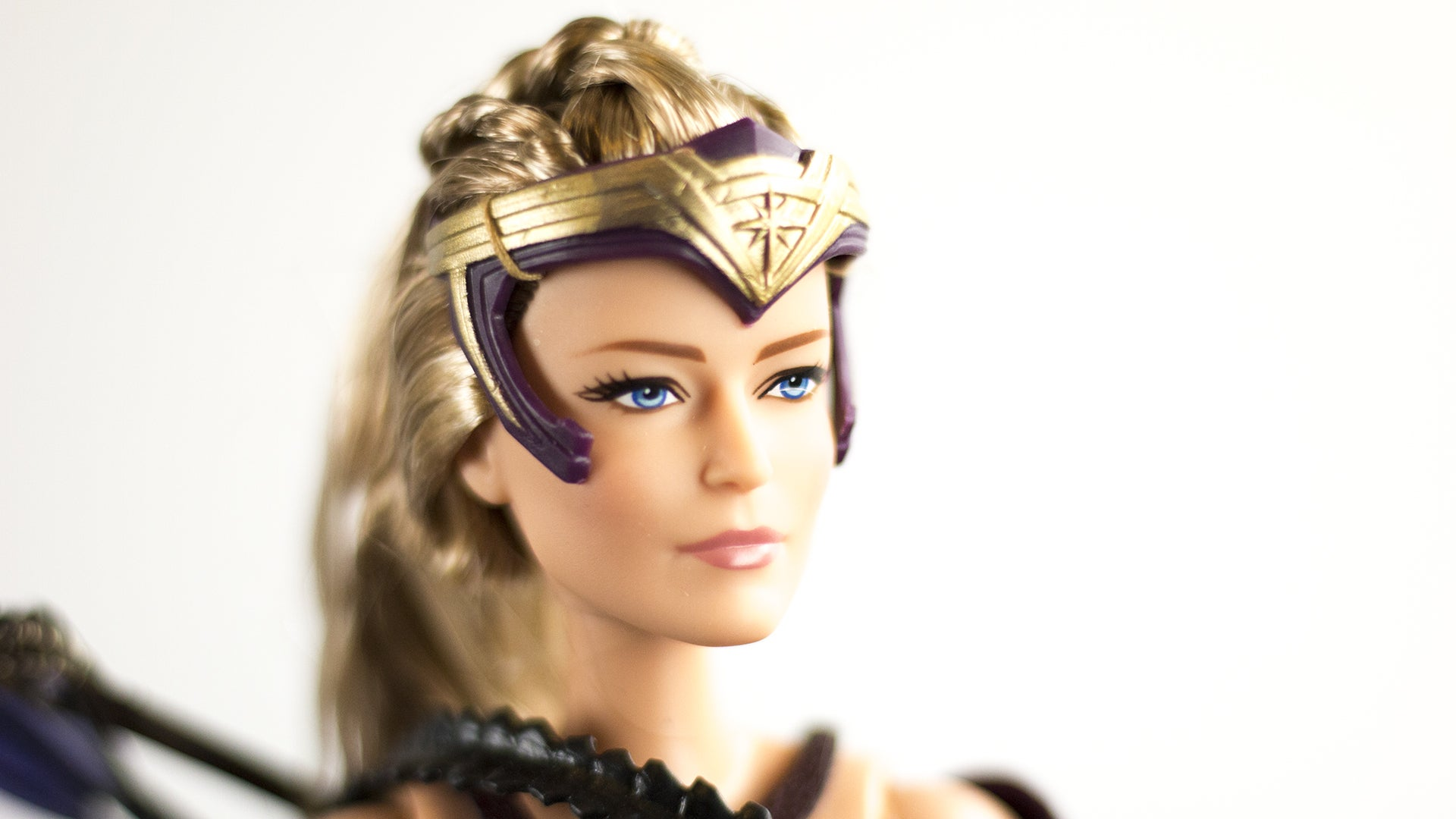 Doll review 2017 black label queen hippolyta doll face three - Since Antiope Is The Only Doll Of The Three Not Sporting A Cloak Or Cape Of Some Kind She S The Best One To Showcase Some Of The Line S Cooler Features