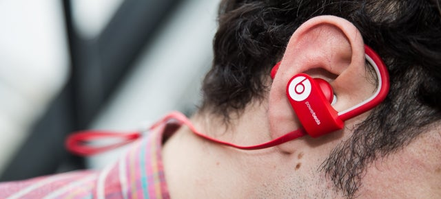 Beats Powerbeats2 Wireless: Pricey, Rugged Running Headphones