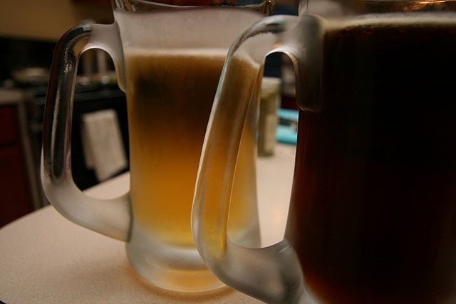 Use a Chilled Glass with Room Temperature Beer for Best Flavour