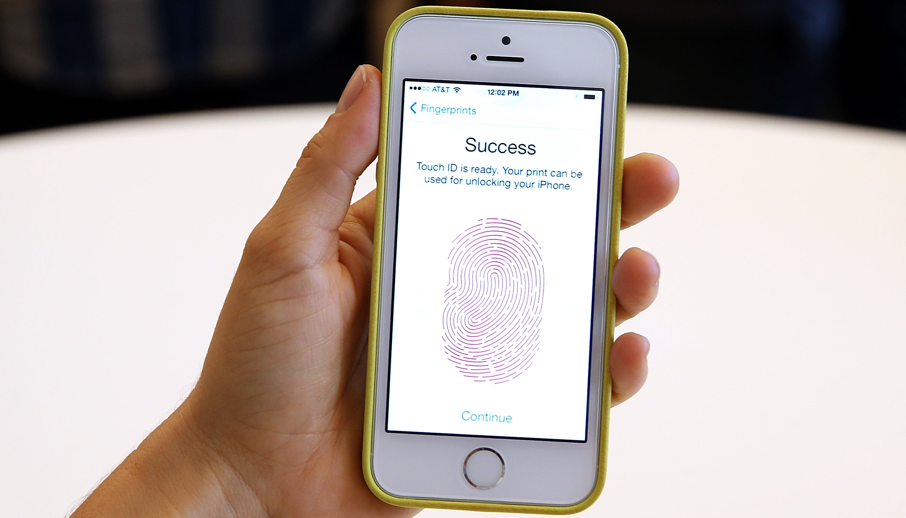 Cops Can't Force People To Unlock Their Phones With Biometrics, US Court Rules