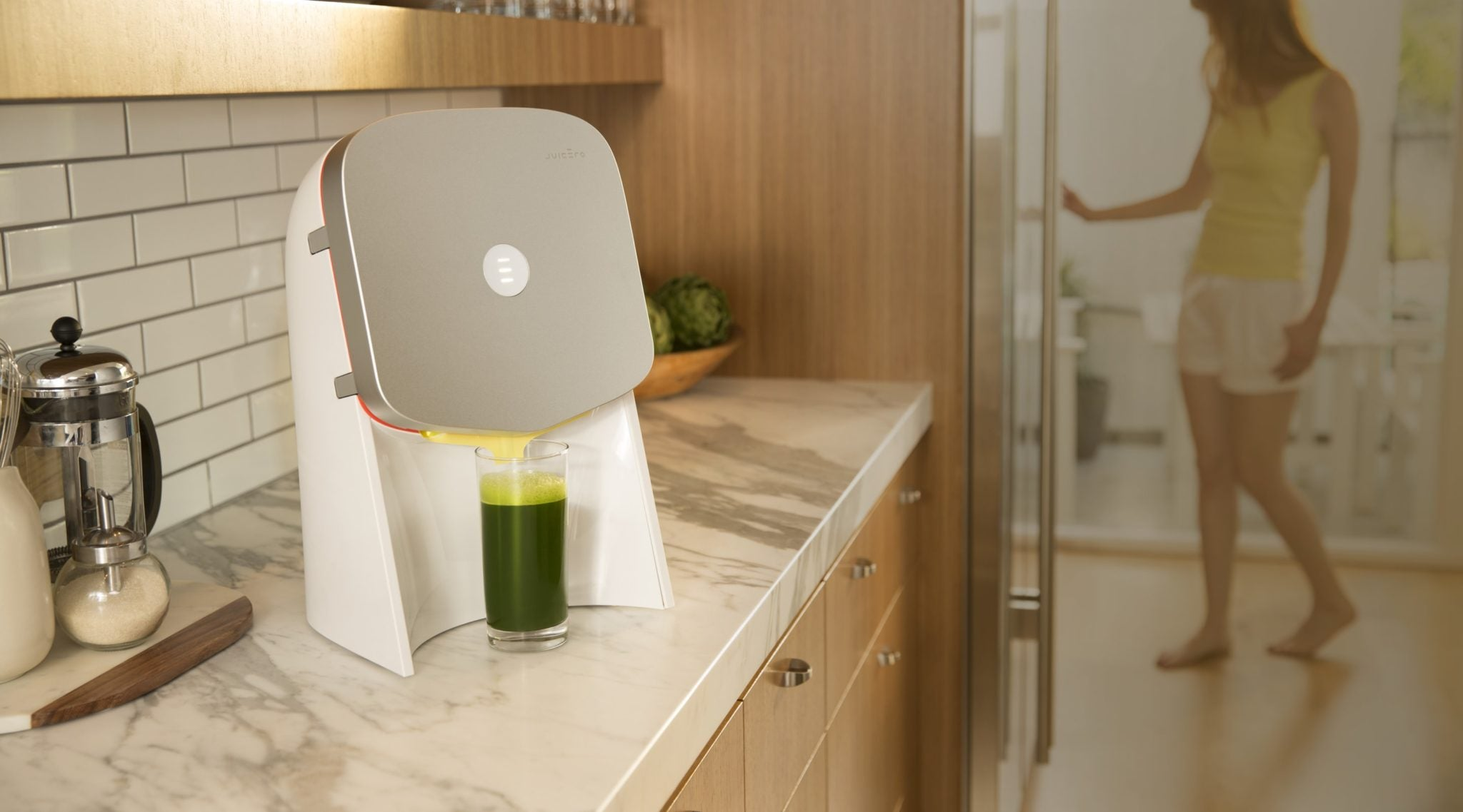 Silicon Valley's Hottest Overpriced Juicer Apparently Works Worse Than Your Bare Hands