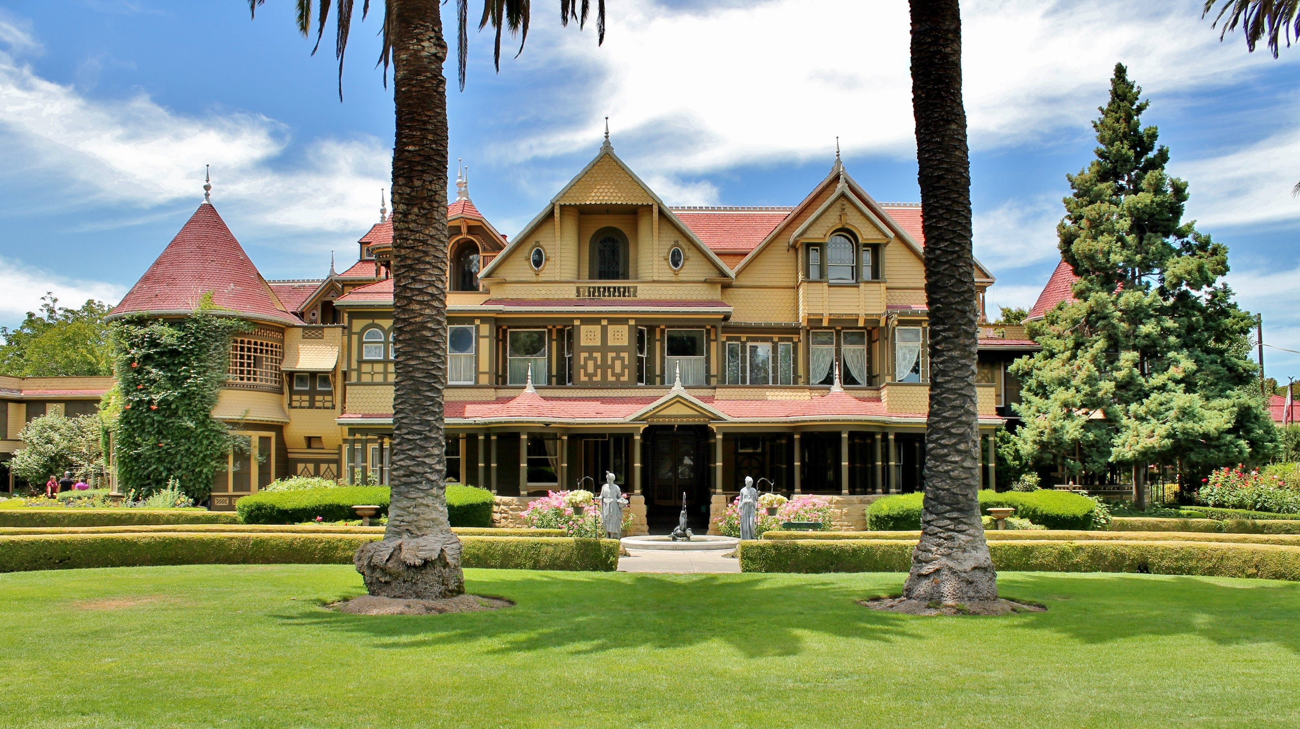 You Can Virtually Tour The Winchester Mystery House For Free While It's Closed Due To COVID-19