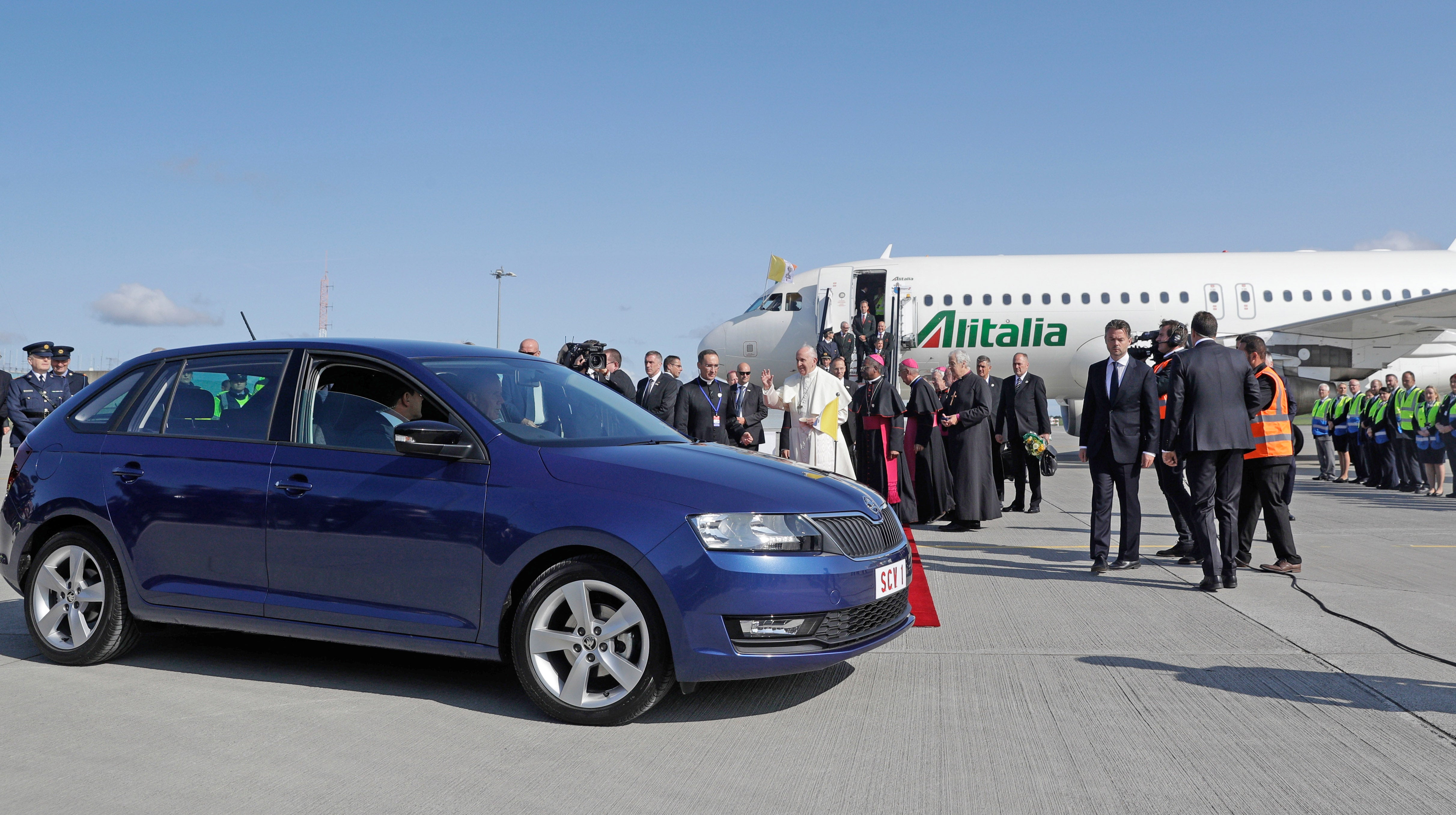 Here's The Pope Just Cruising In A Skoda Wagon