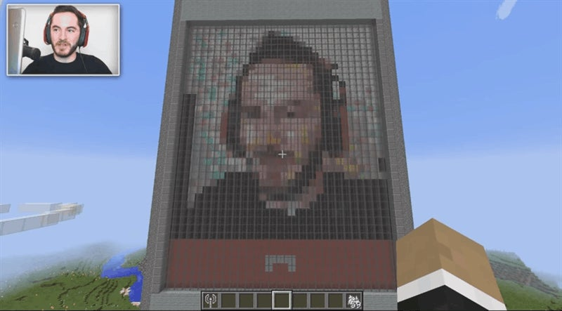 Cell Phone Built In Minecraft Can Actually Make Video Calls, Wow