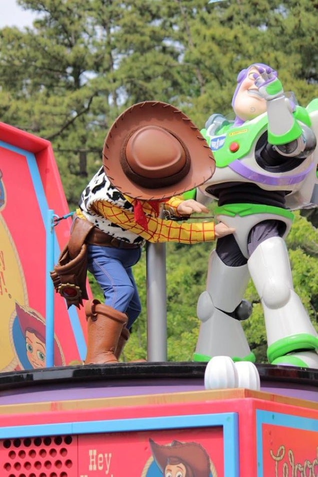 The Time Woody Reached in Buzz Lightyear's Crotch