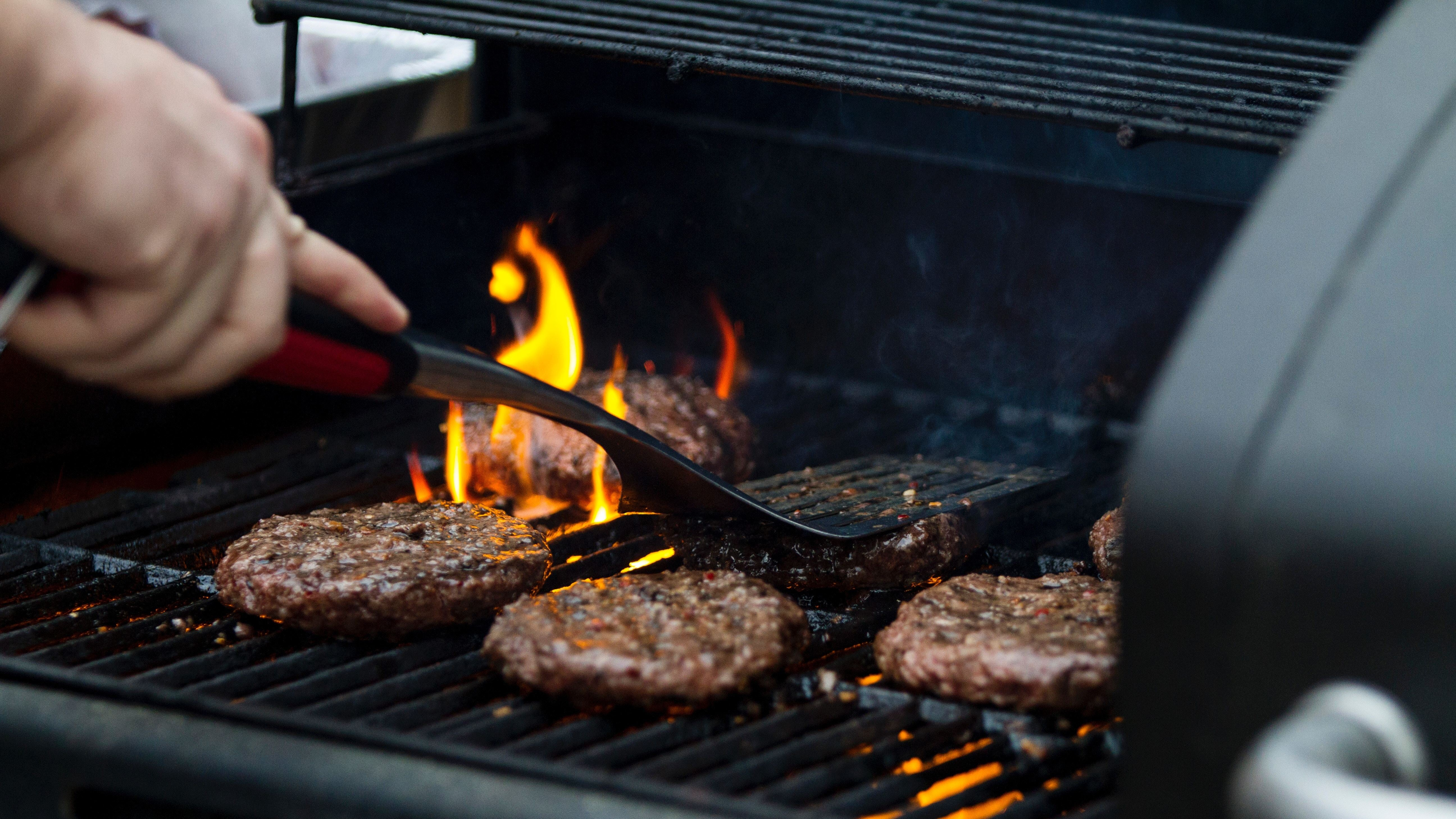 Don't Use A Bristle Brush To Clean Your Grill