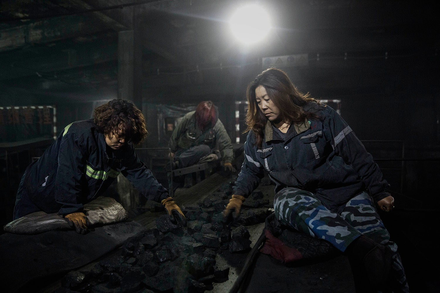Photographs Capture What Life is Like in One of the World's Dirtiest Pits