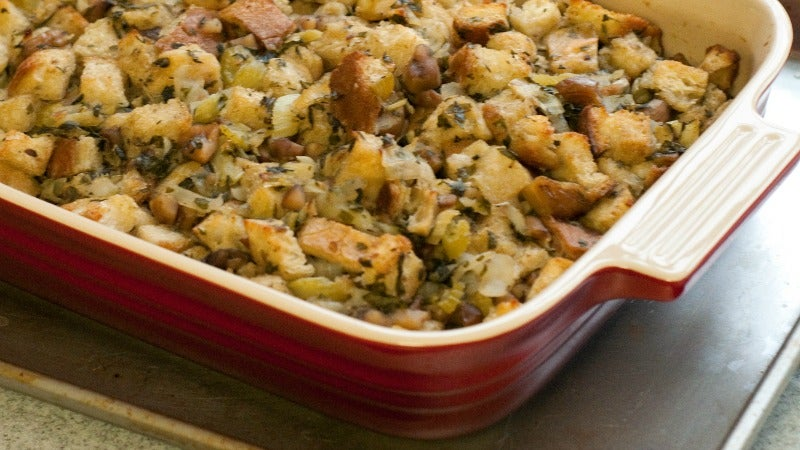 Use Oven-Dried, Not Stale, Bread For Better Stuffing