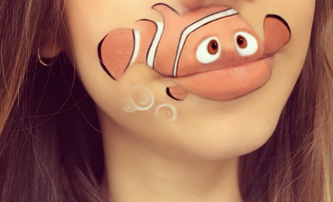 Girl transforms her mouth into cute famous characters with just makeup