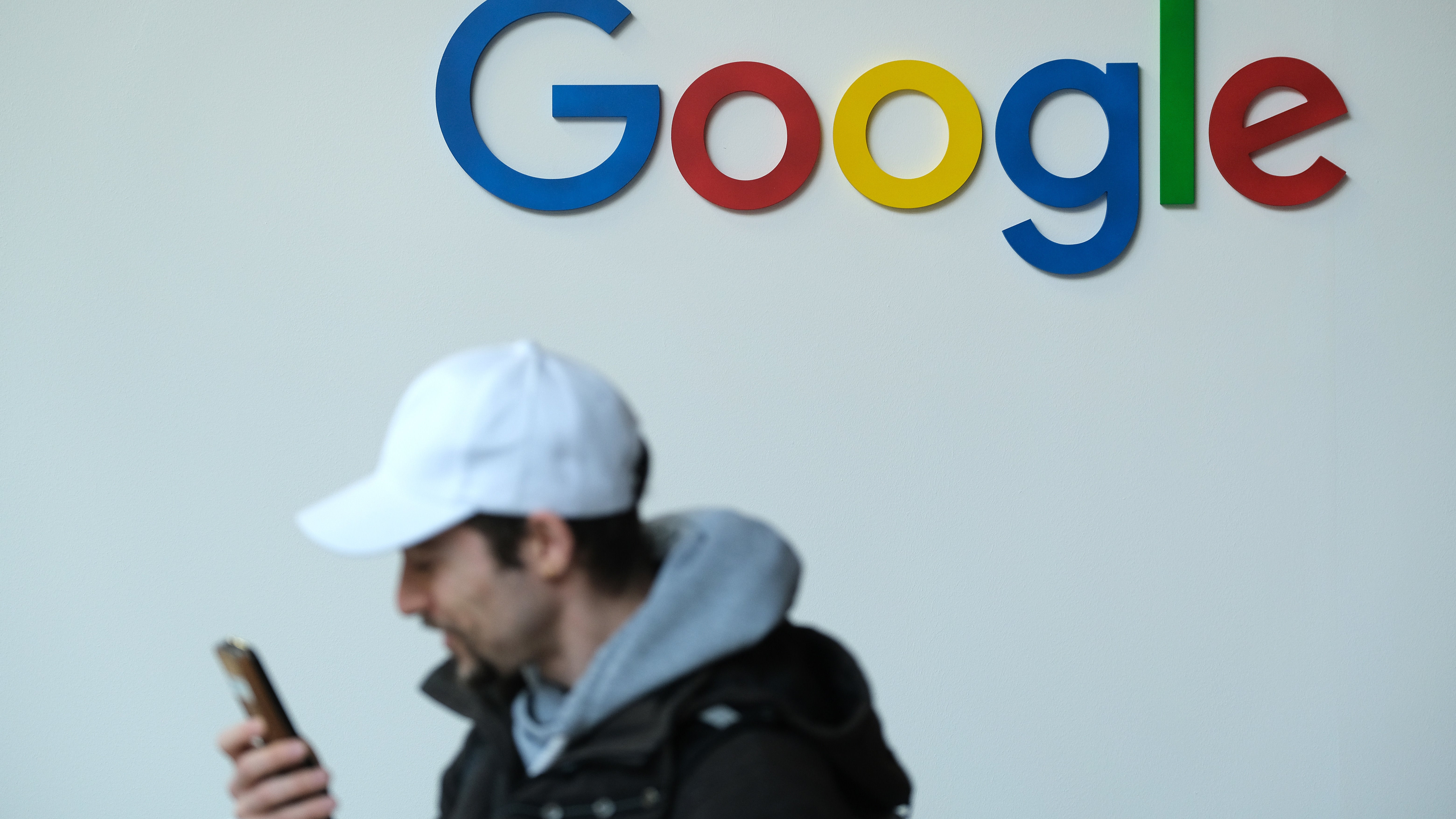 Big Tech Lawyer Earns His Paycheck Arguing Google Doesn't Dominate Search