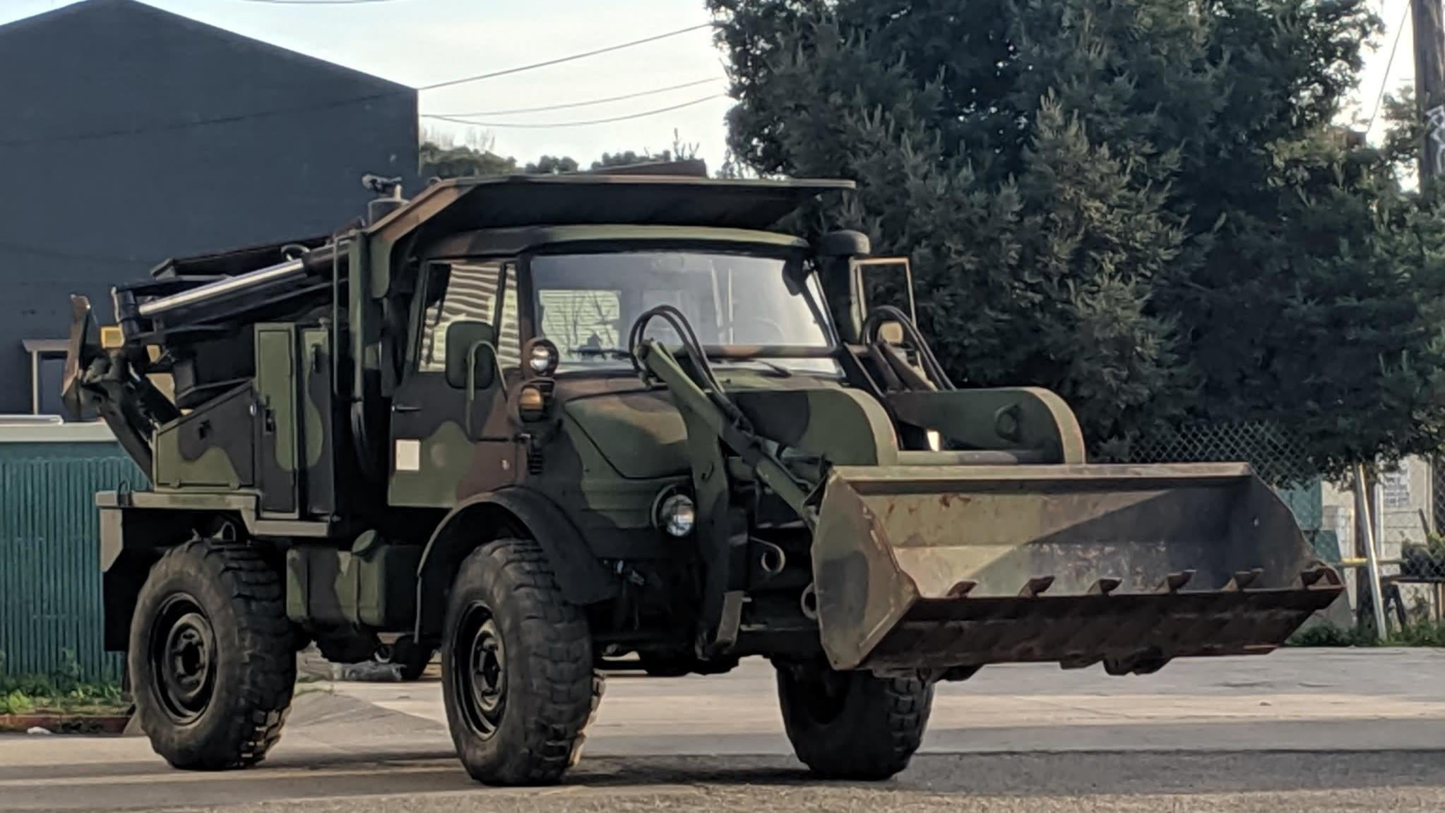 I Dare You To Daily This Ex-American Military Unimog