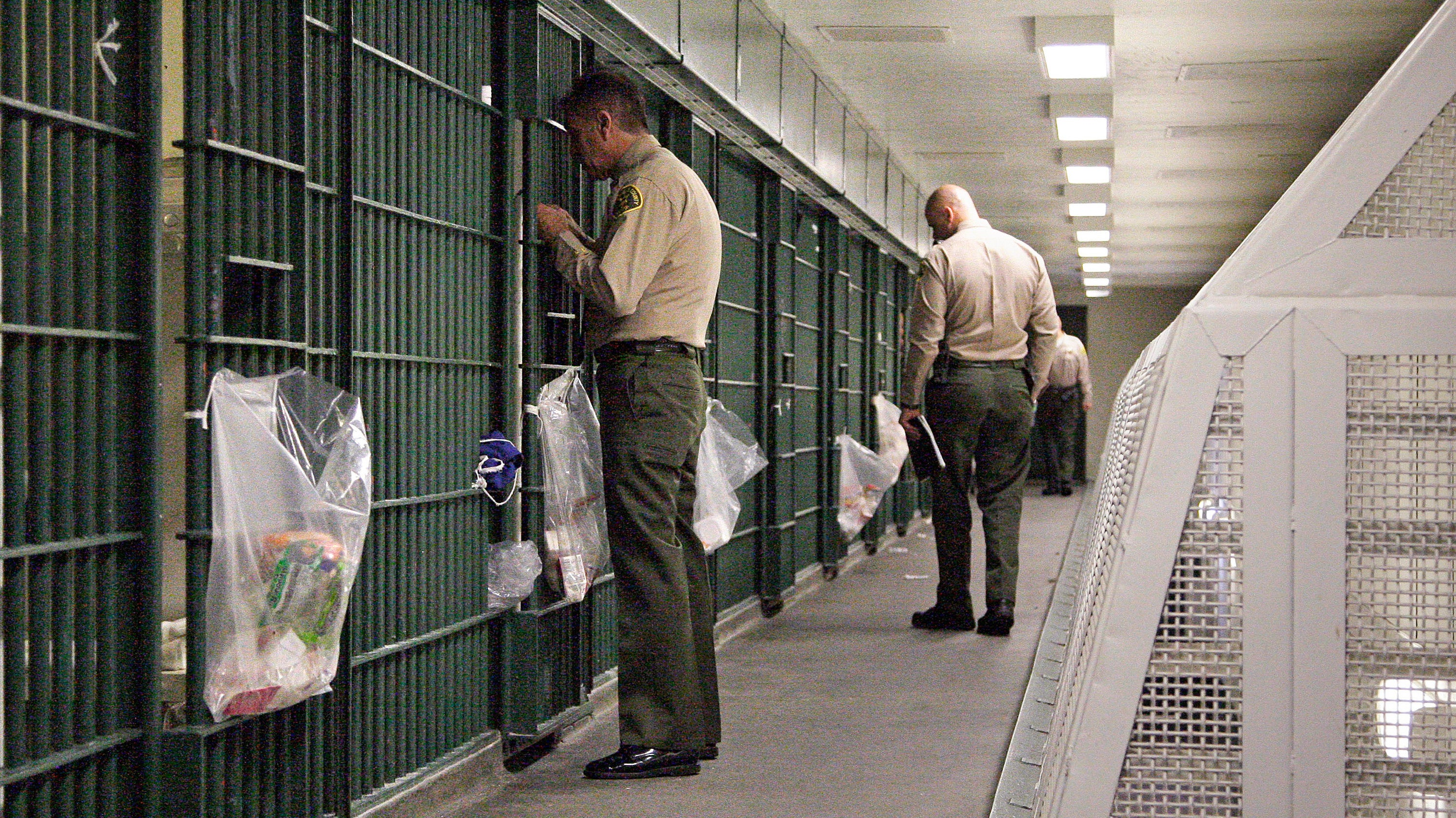 These US Prisons Are Banning Books That Teach Inmates How To Code