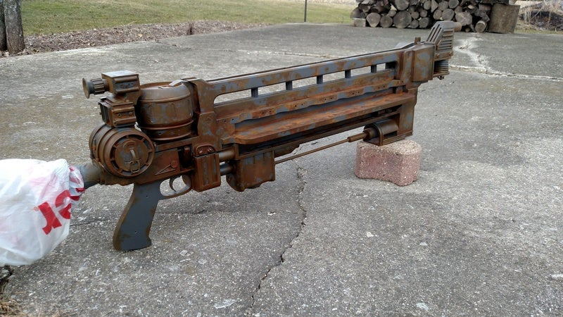 Fallout 4's Head-Exploding Rifle As A Rusty Replica