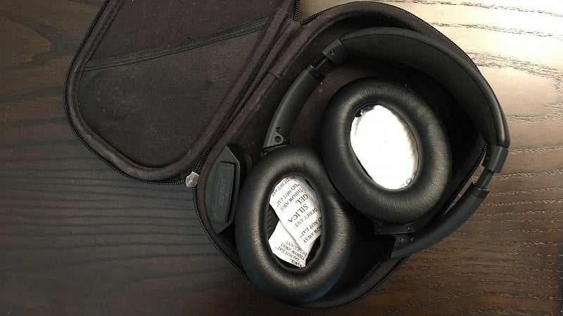 Keep Your Nice Headphones From Getting Stinky With Silica Gel Packets