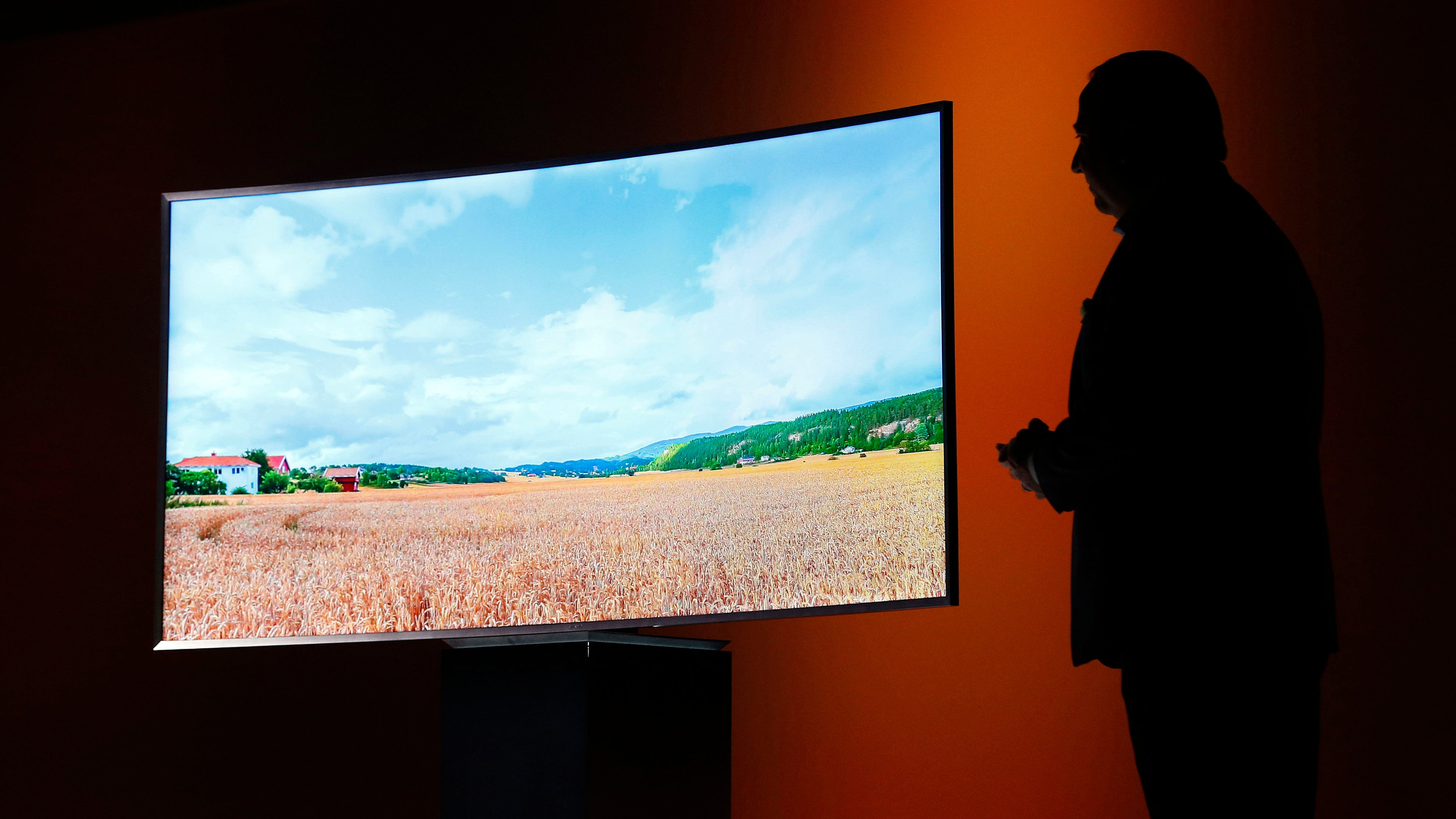 New US Regulation Raises Concerns Over Spying TVs And Obsolescence