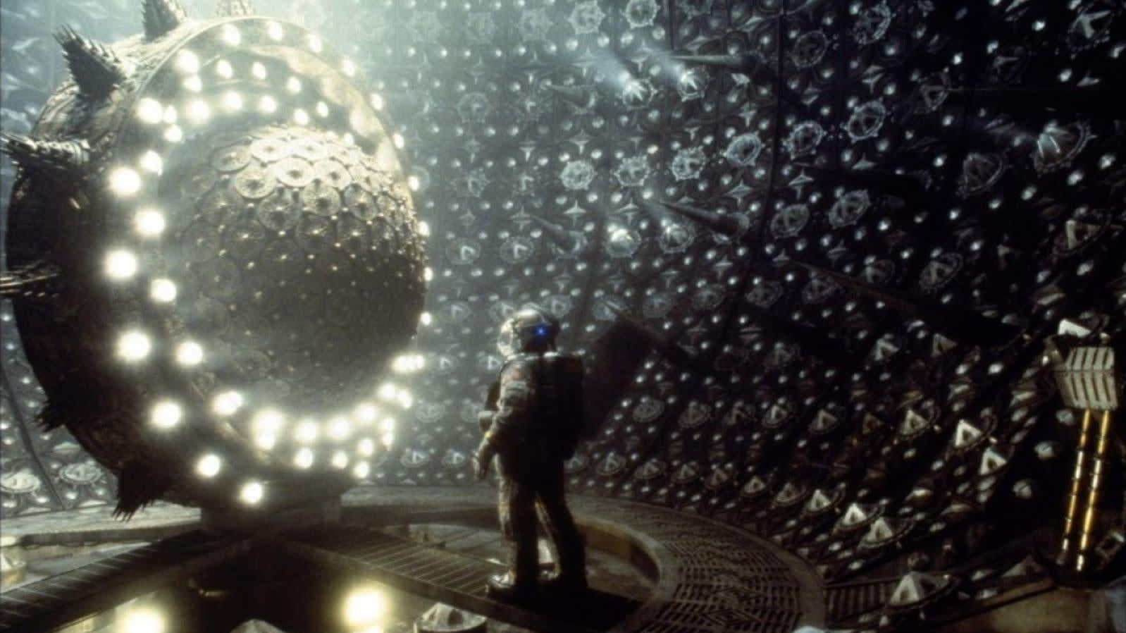 Gloriously Gruesome Sci-Fi Cult Classic Event Horizon Might Become An Amazon Series