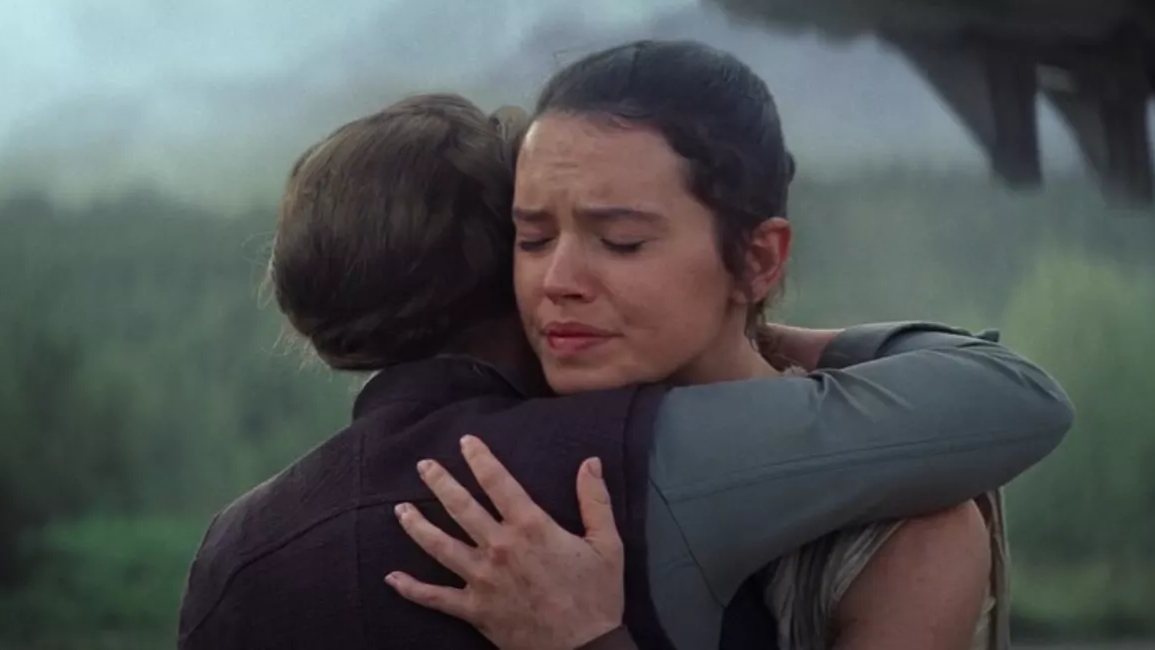 Daisy Ridley Has A Funny Memory Of That Hug Scene With Carrie Fisher That's Going To Be In The Rise Of Skywalker