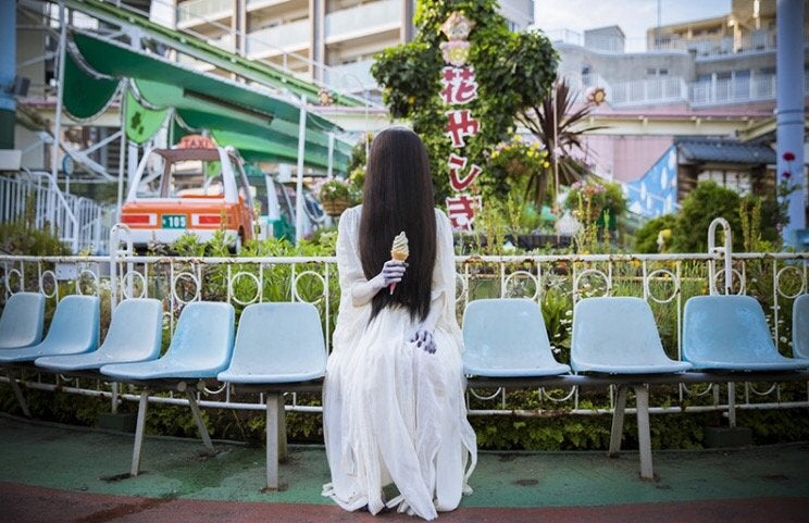 The Charms of Dating a Japanese Horror Character