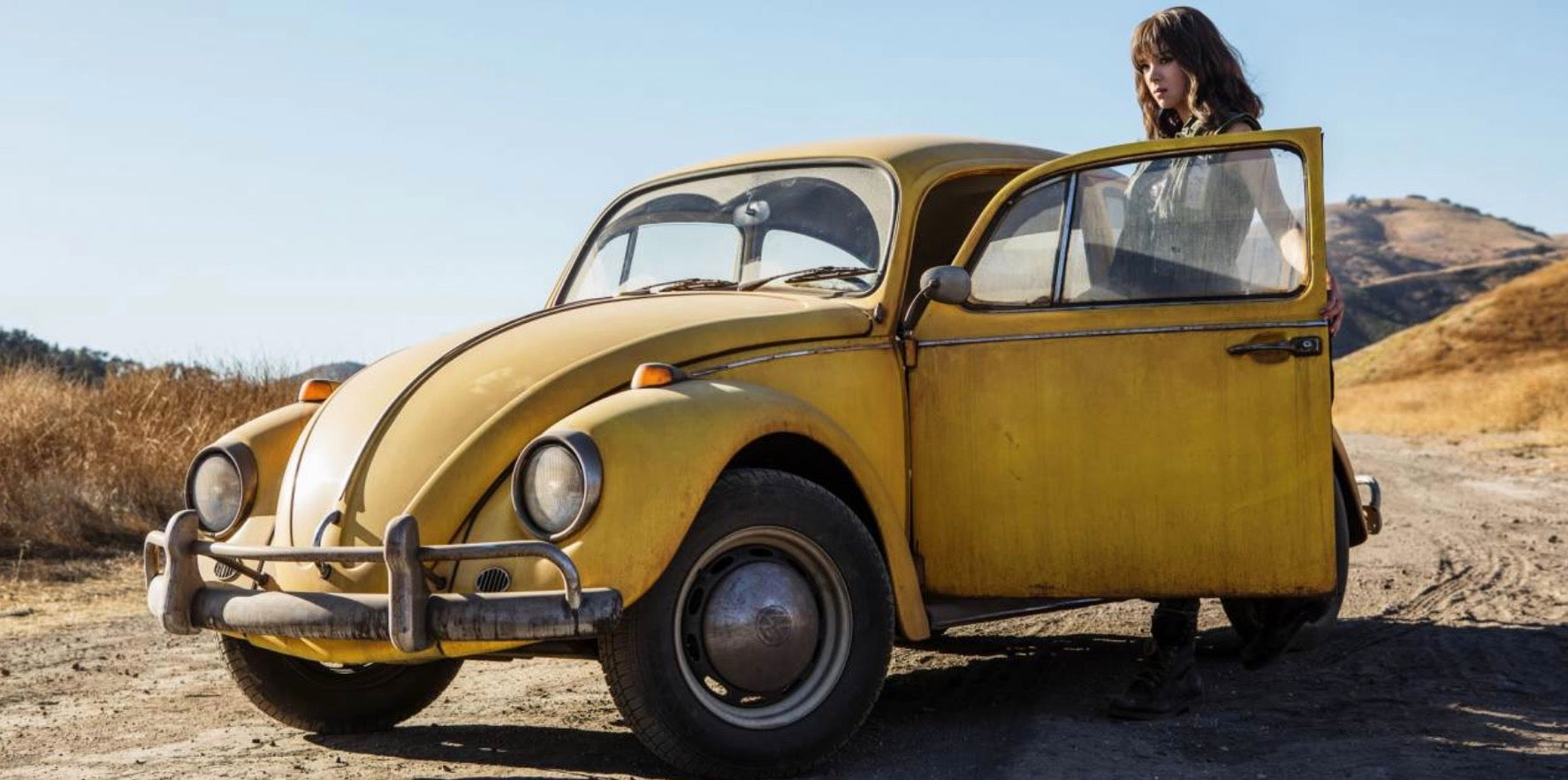 The Bumblebee Preview Has A Lot Of Heart But Keeps The Action Of Michael Bay's Transformers