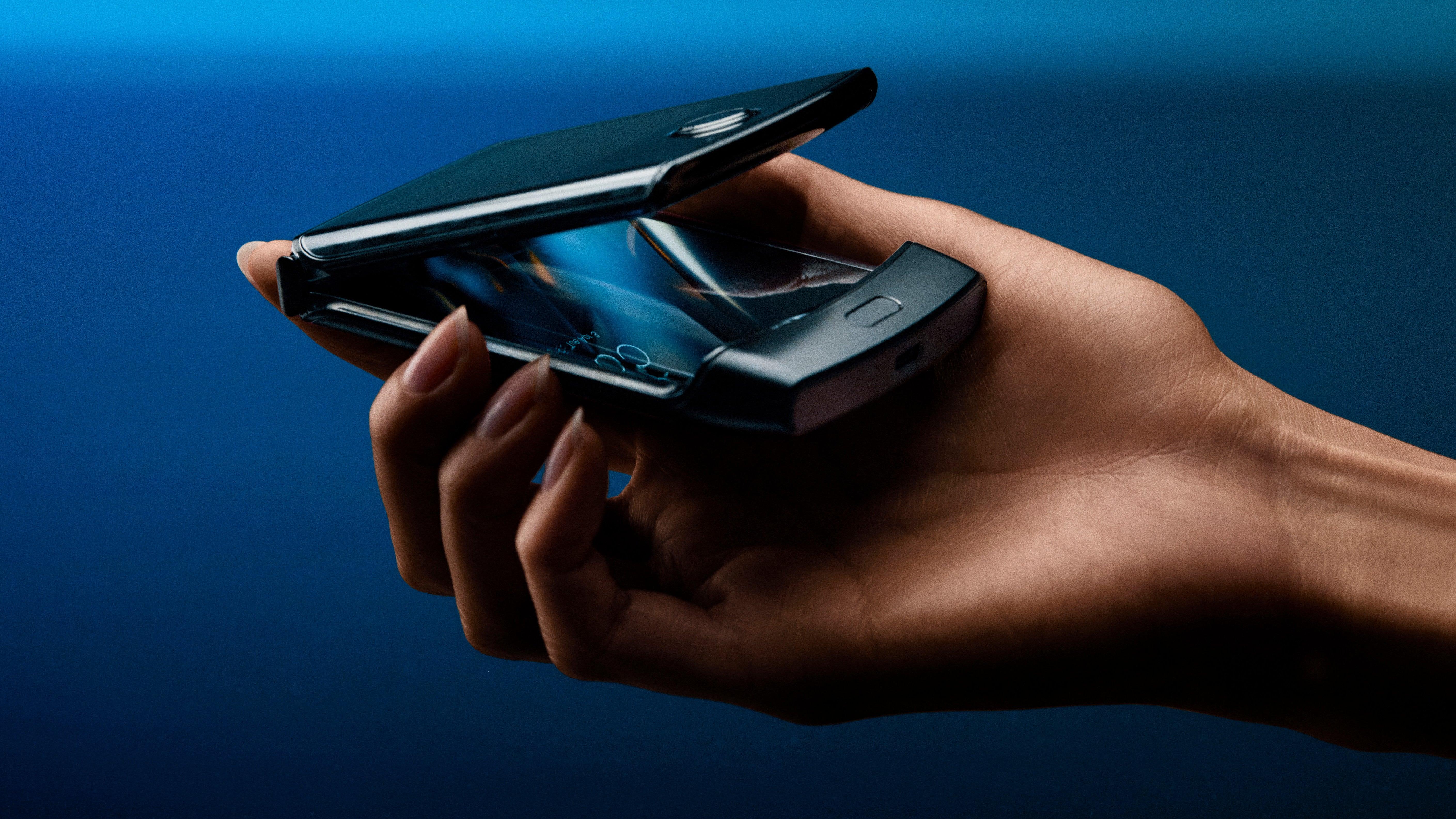 Motorola Razr: The Flip Phone Just Evolved