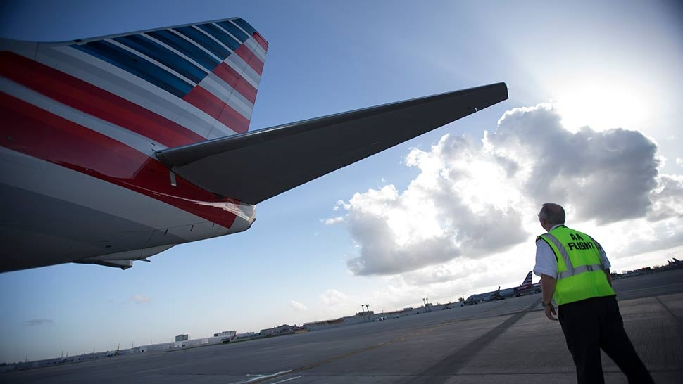 American Airlines says holiday 'scheduling error' is being resolved