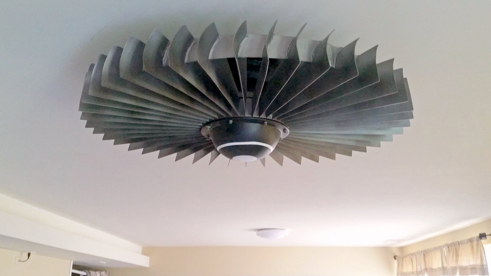 Engine Ceiling Fan : I want a jet engine ceiling fan hanging in my bedroom