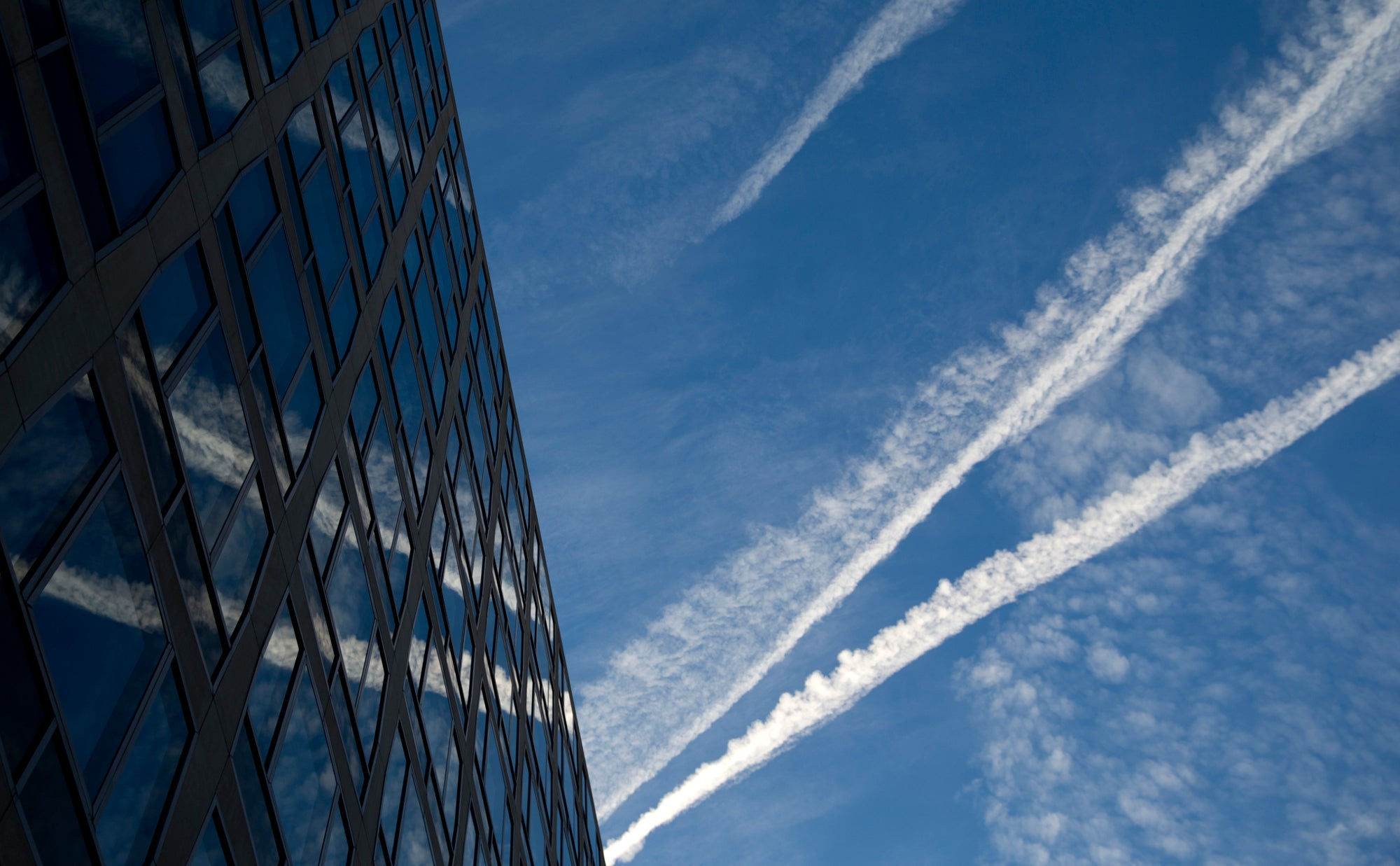 Sorry Folks, Chemtrail Conspiracies Are False