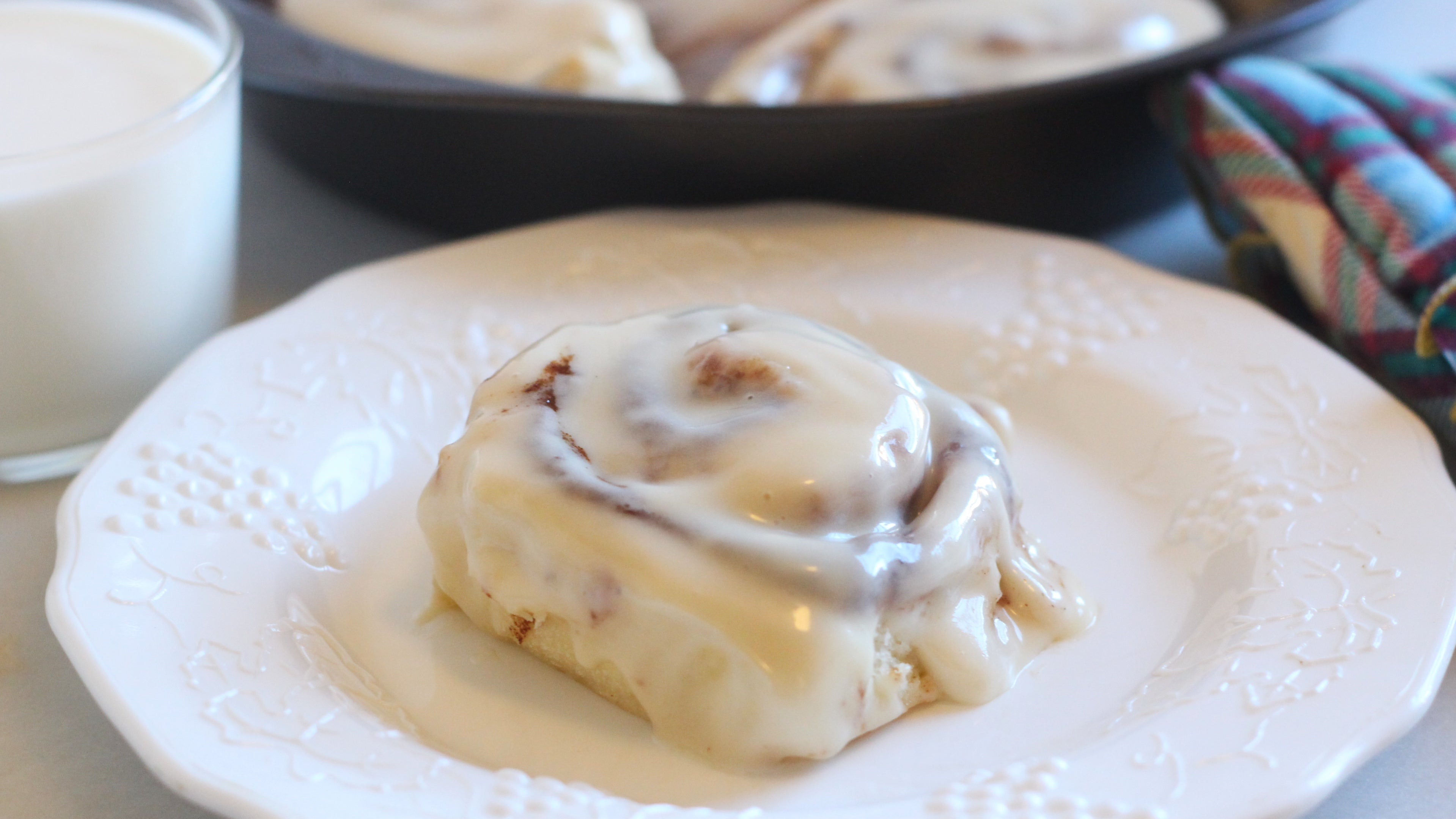 How To Make Your Cinnamon Rolls Taste Like Cinnabon's