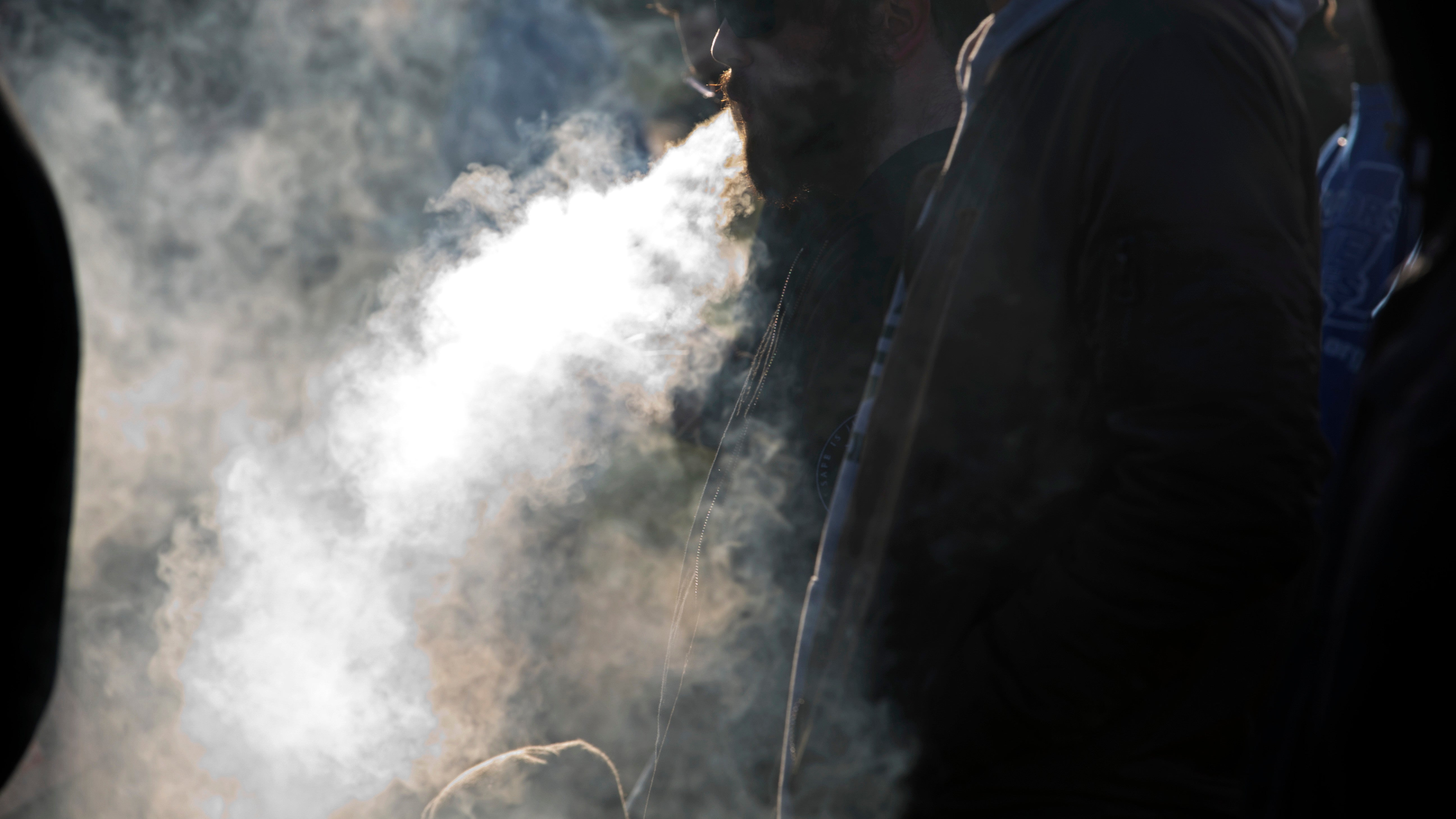 E-Cigarettes Don't Have To Be Tainted To Send You To The Hospital, UK Case Shows