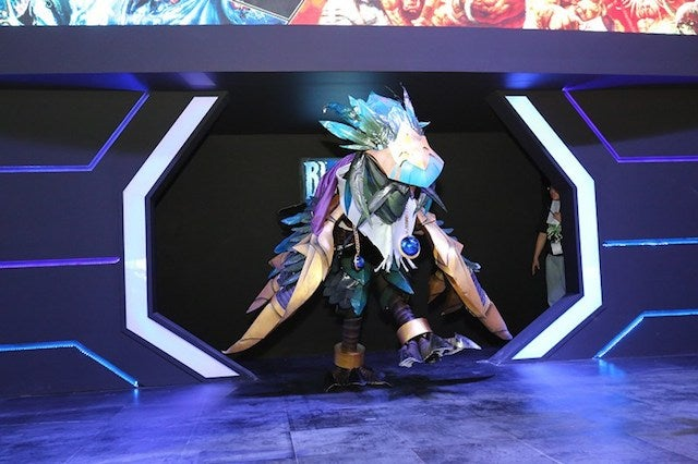 Giant World of Warcraft Bird Wins Cosplay Competition
