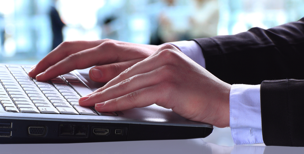 Scientists Hack Cryptography Keys By Simply Touching a Laptop