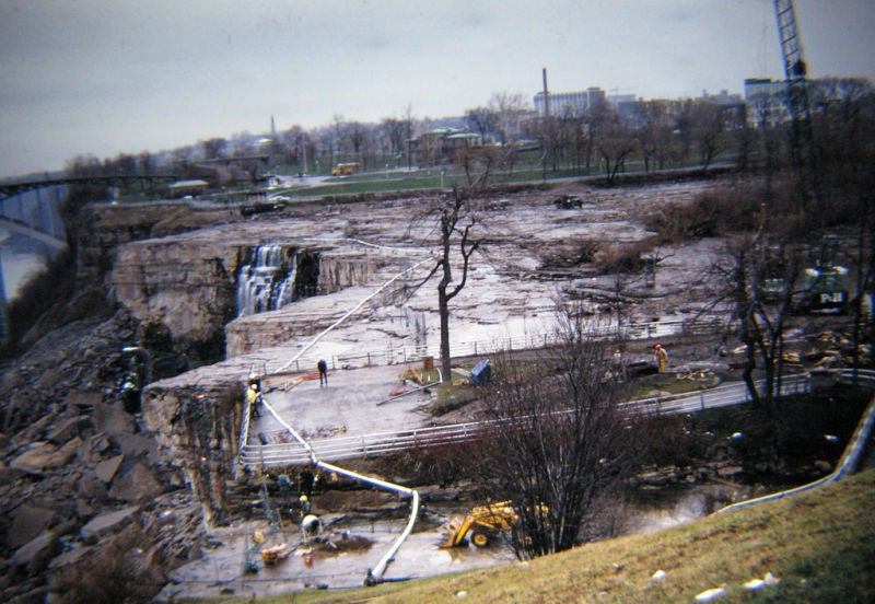 It's Suprisingly Easy to Turn Off Niagara Falls