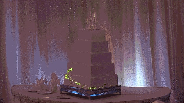 You Don't Need To Be A Bridezilla To Want An Animated Wedding Cake