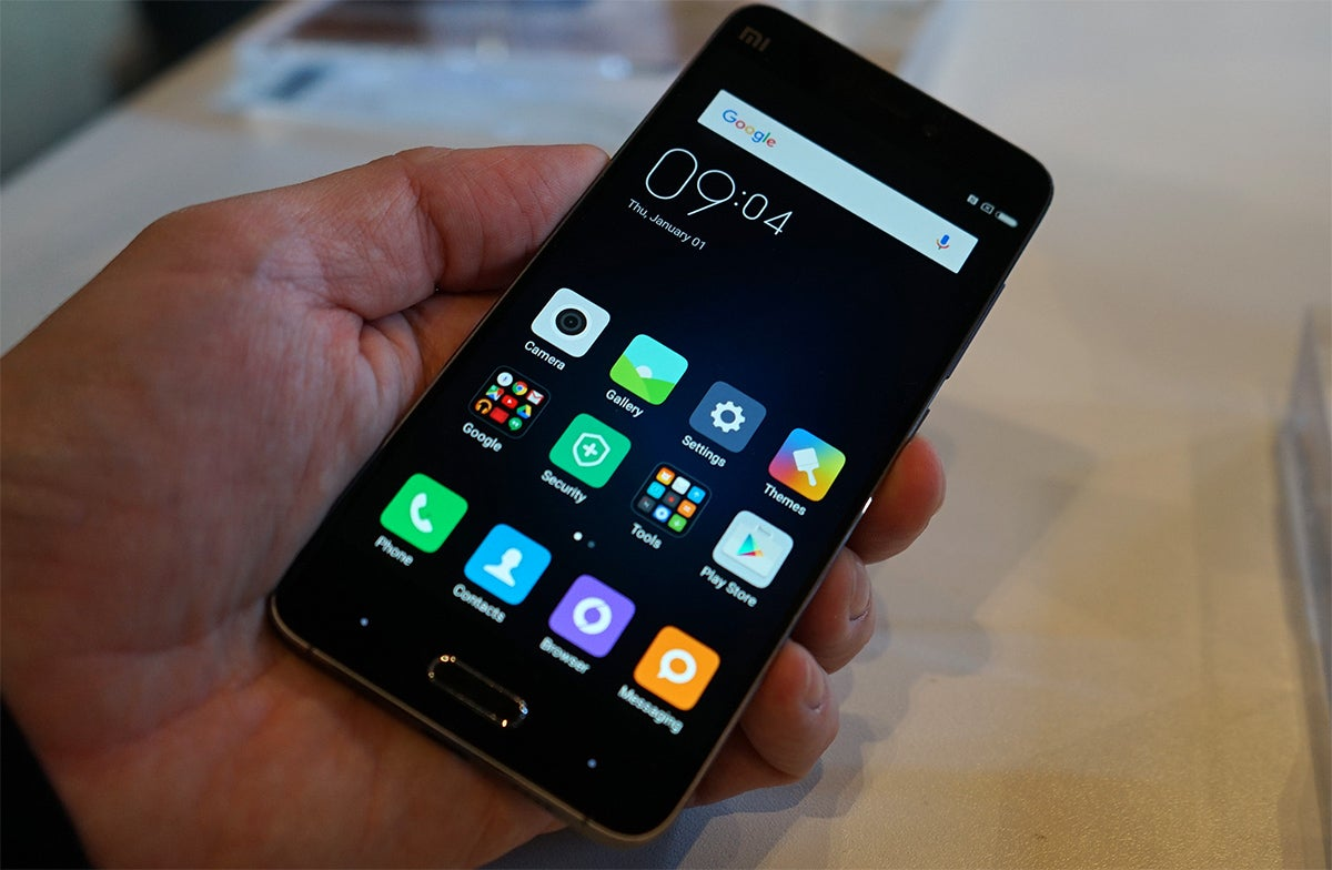 Xiaomi Mi 5: Great Specs, Awesome Display, Cheap. Too Bad You Can't Buy It