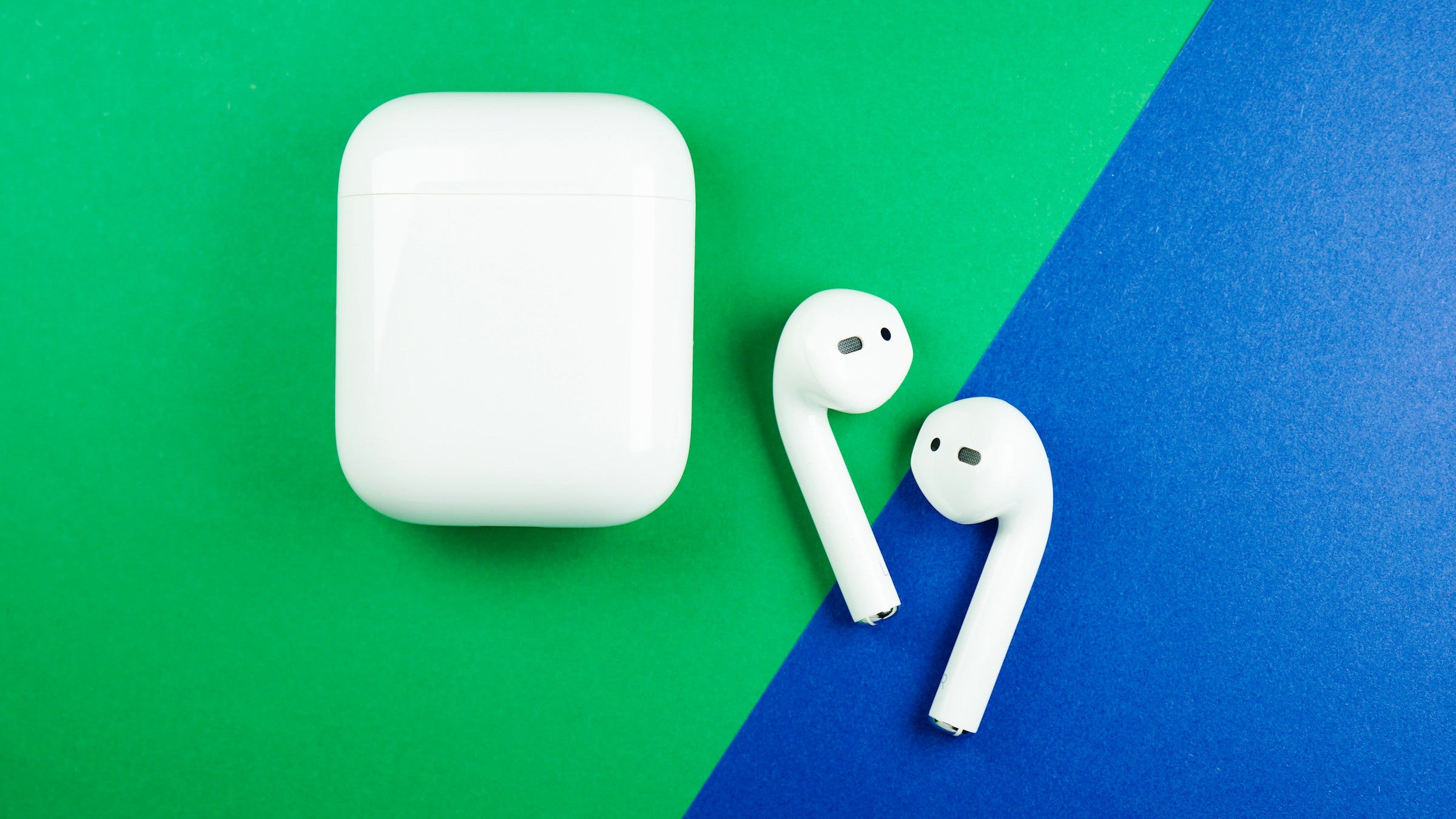 The Best Way To Clean Your AirPods