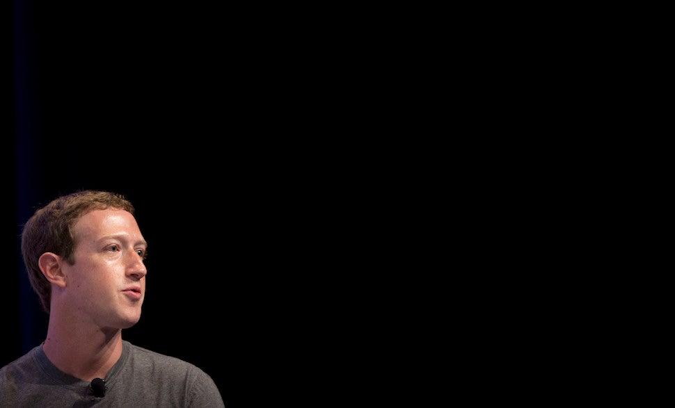 Mark Zuckerberg Says Fake Facebook News Had No Impact On Election
