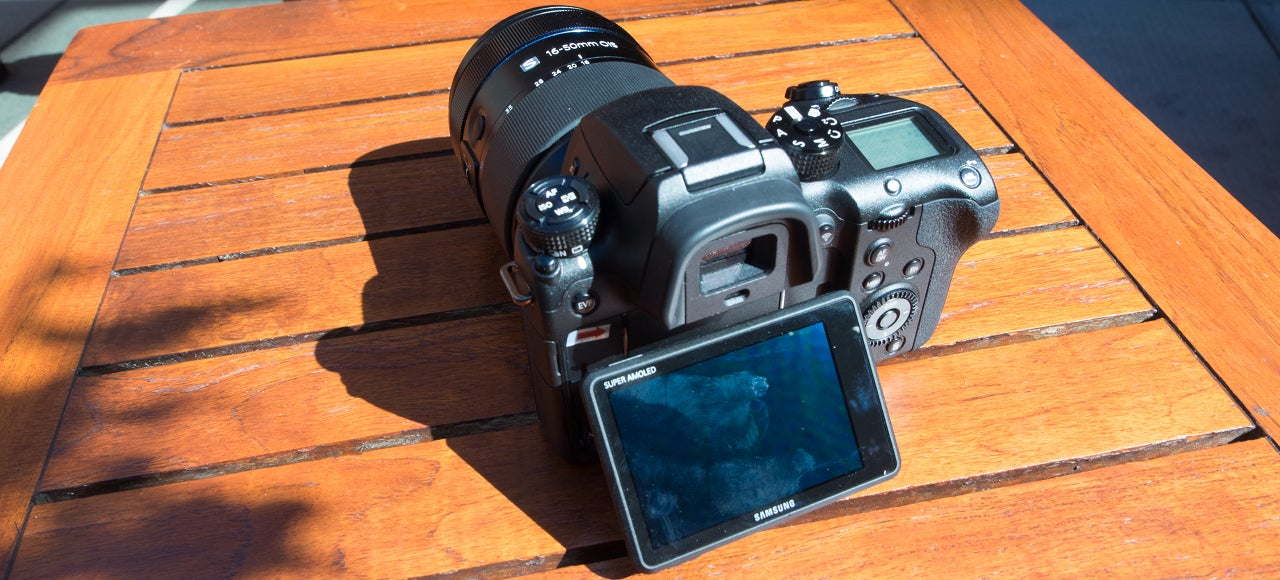 Samsung NX1: A 4K Video Chomping, 28-Megapixel Camera In a Compact Body