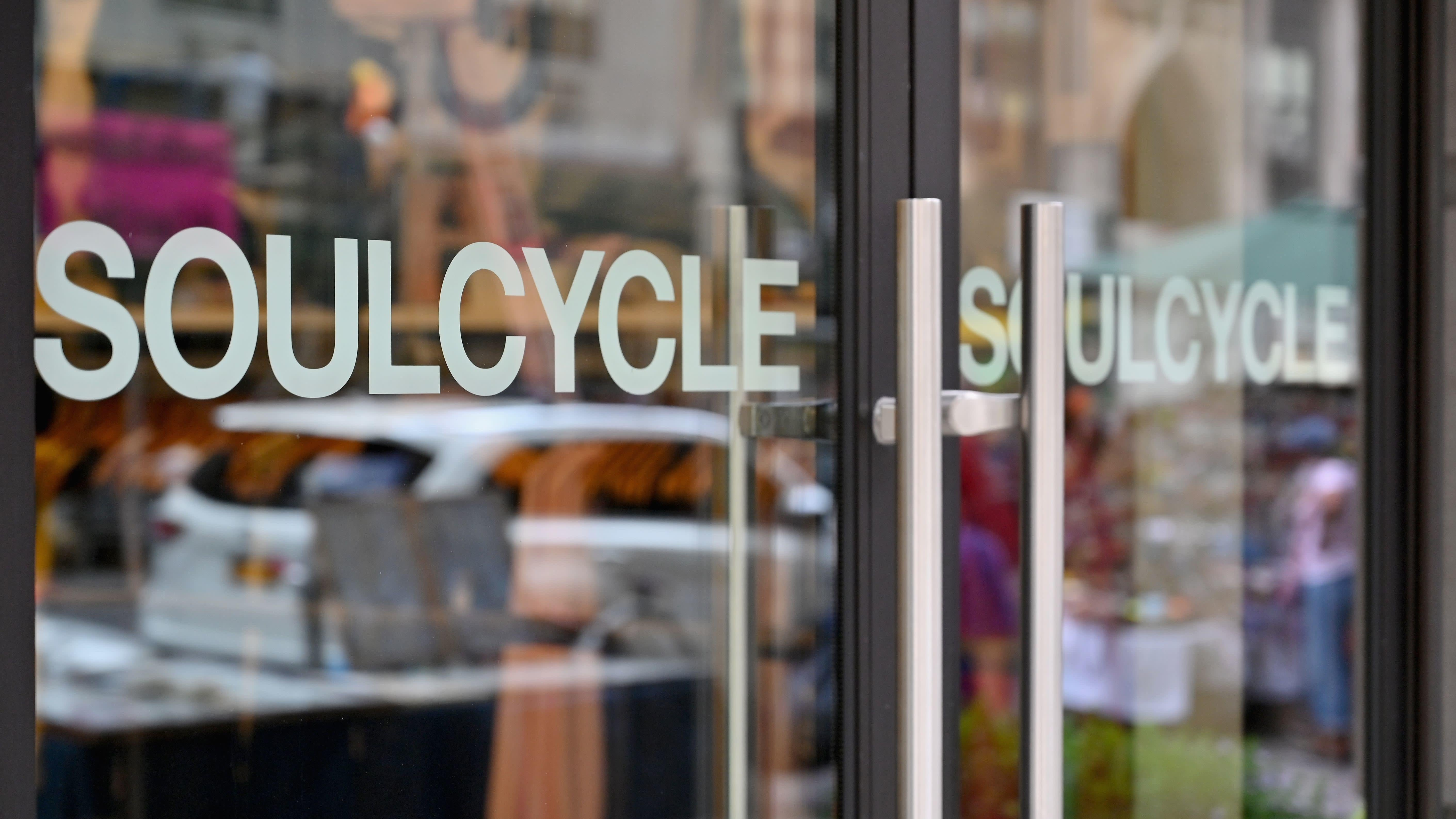 Trump Proposes 'Phase One' Gym Re-Openings Day After Call With Owner Of SoulCycle, Equinox