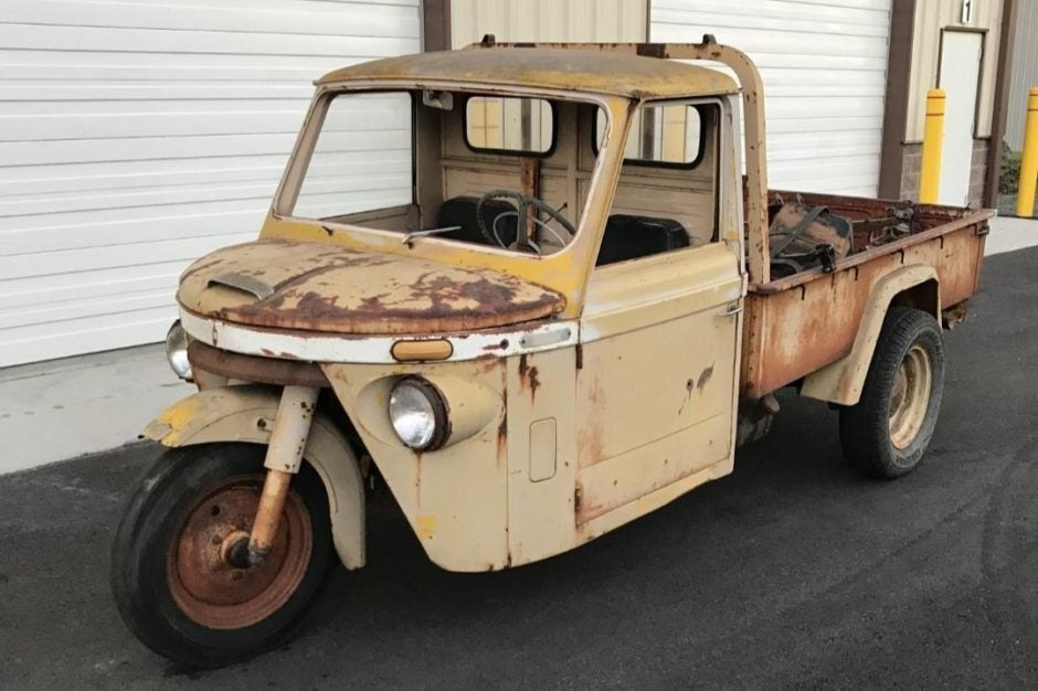 You Know It's Bad When 'Bring A Trailer' Is Offering This Rusty Shitbox Mitsubishi Three-Wheeler