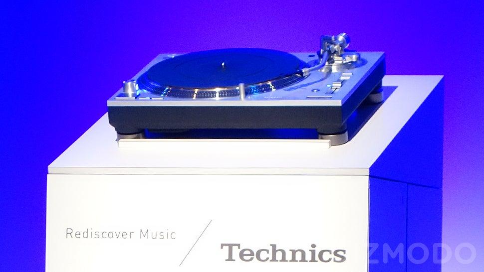 The Technics 1200 Turntable Is Back